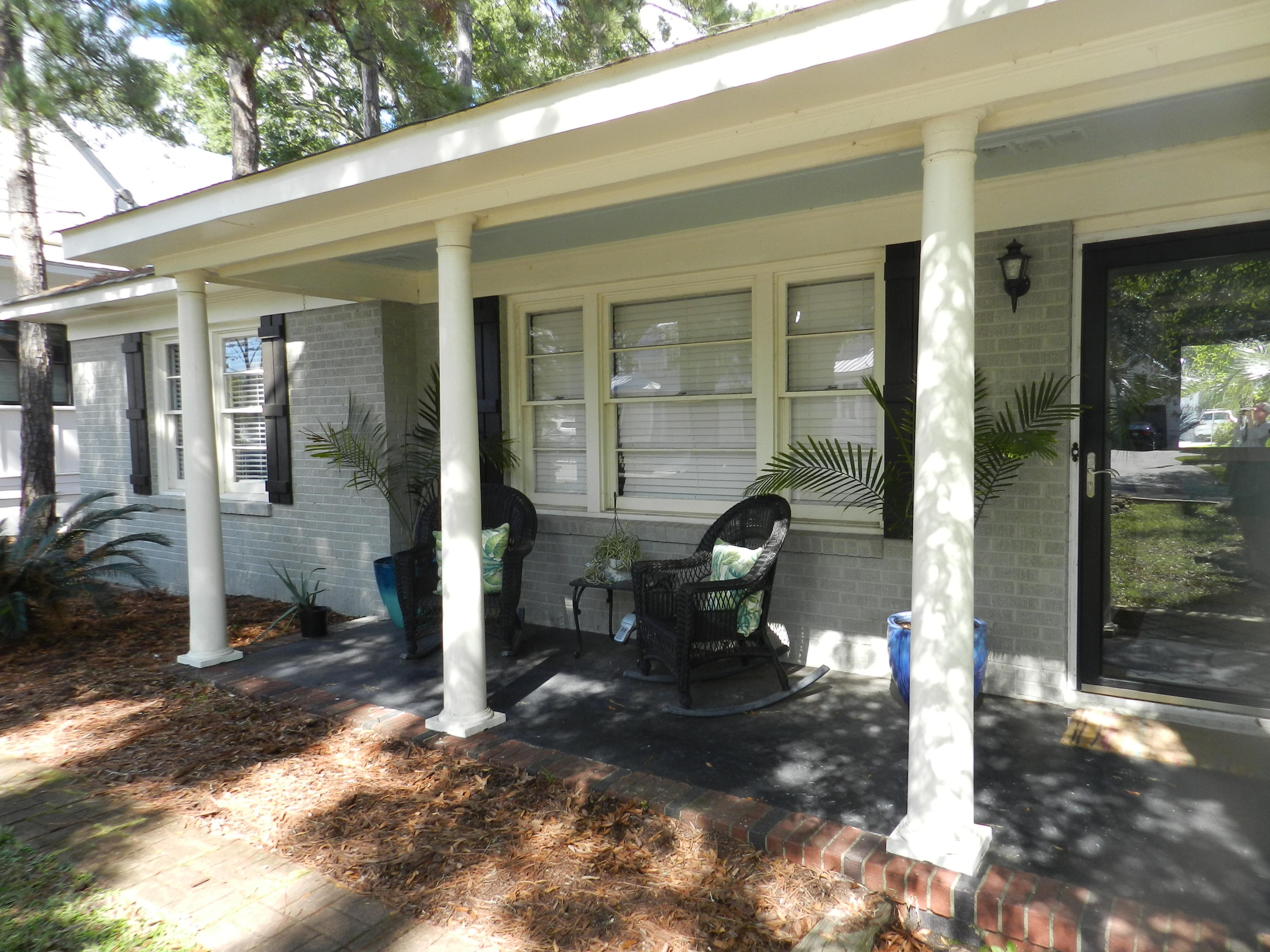 710 Simmons Street Mount Pleasant, SC 29464
