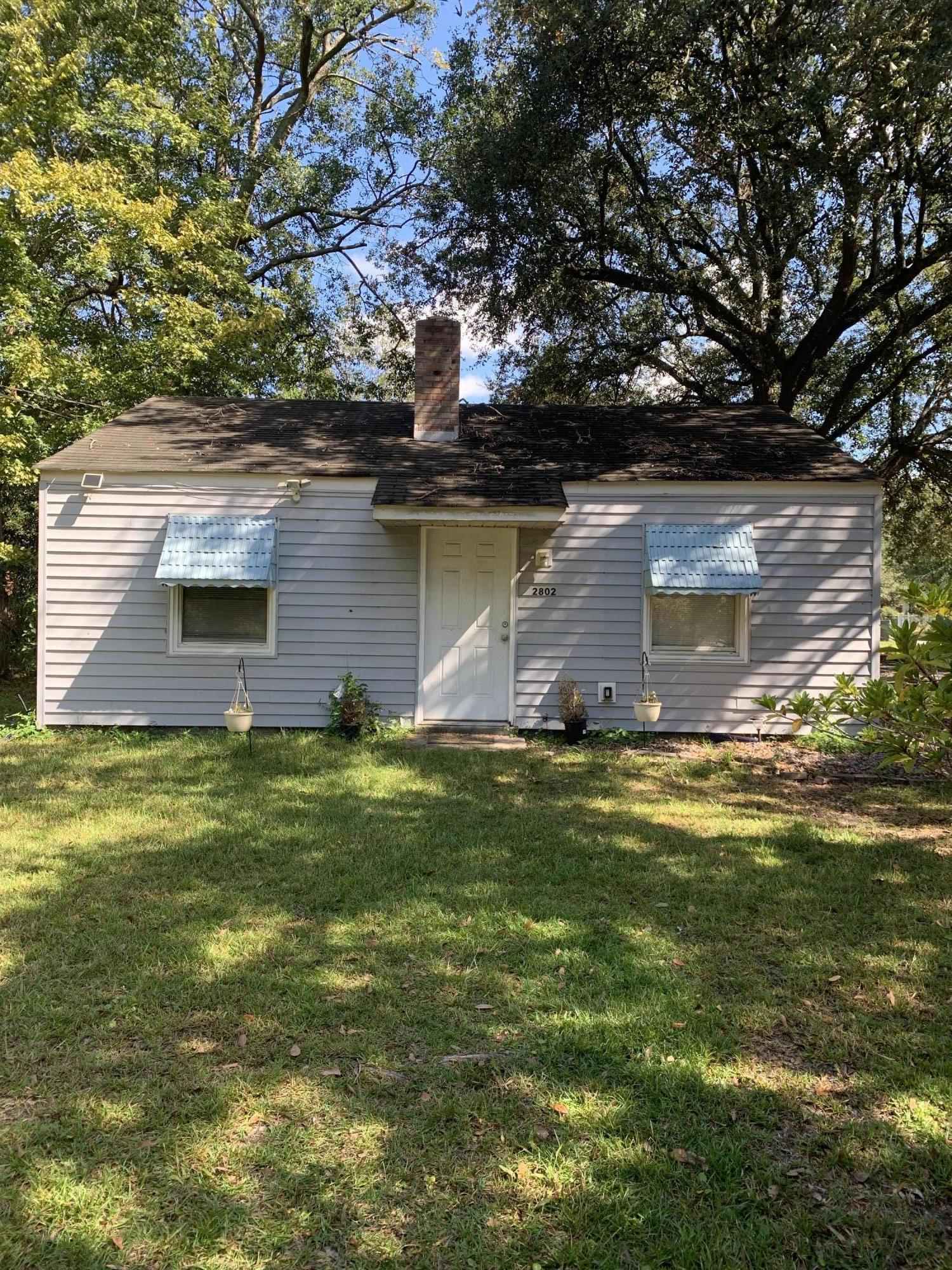 2802 Peacock Avenue North Charleston, SC 29405
