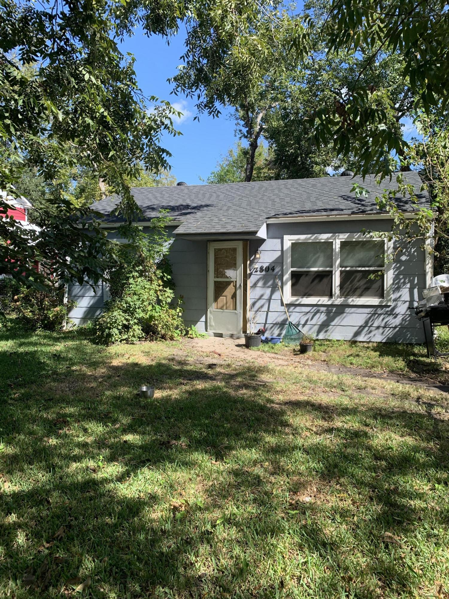 2804 Peacock Avenue North Charleston, SC 29405