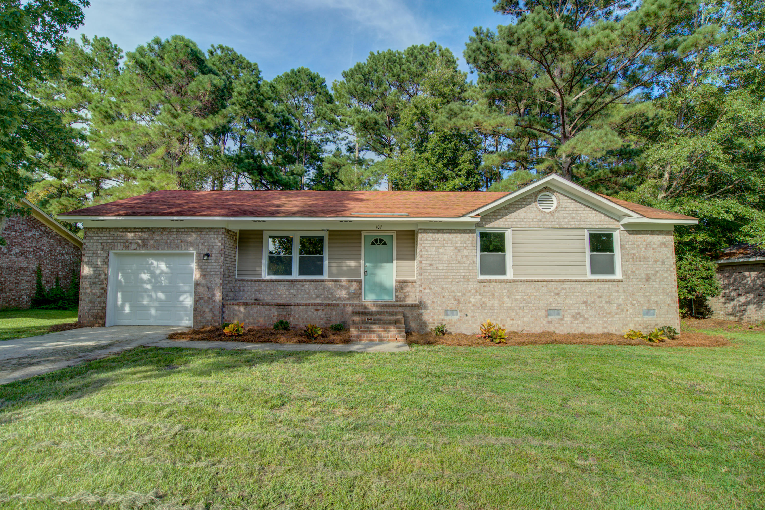 107 Terry Avenue Summerville, Sc 29485
