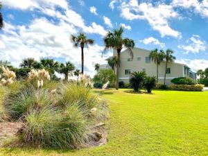 65 Beach Club Villas, Isle of Palms, SC 29451