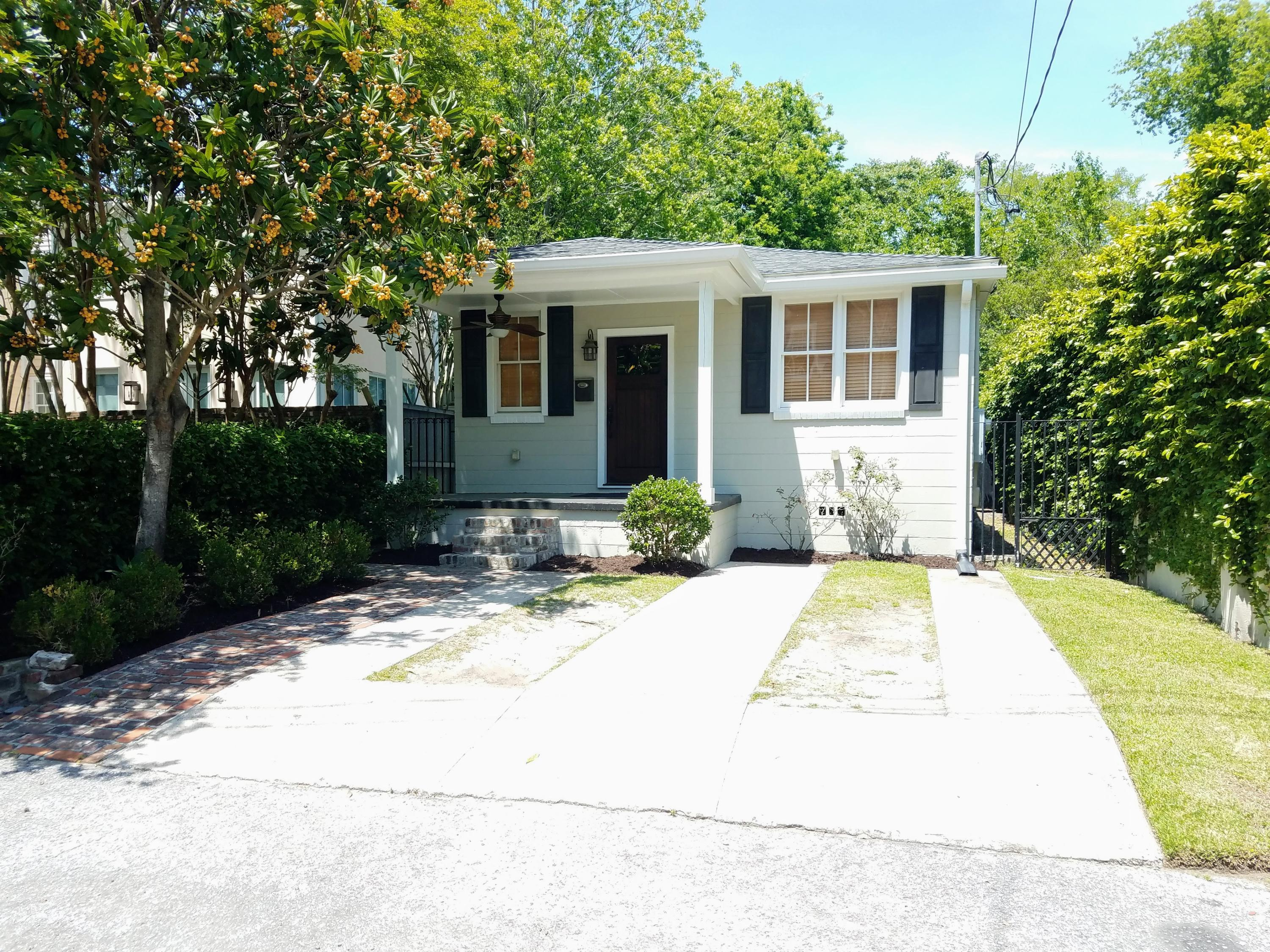 2 Harlem Court Charleston, SC 29403
