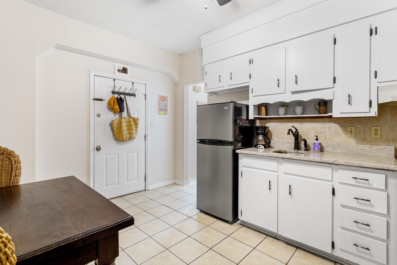 24 Bee Street Charleston, SC 29403