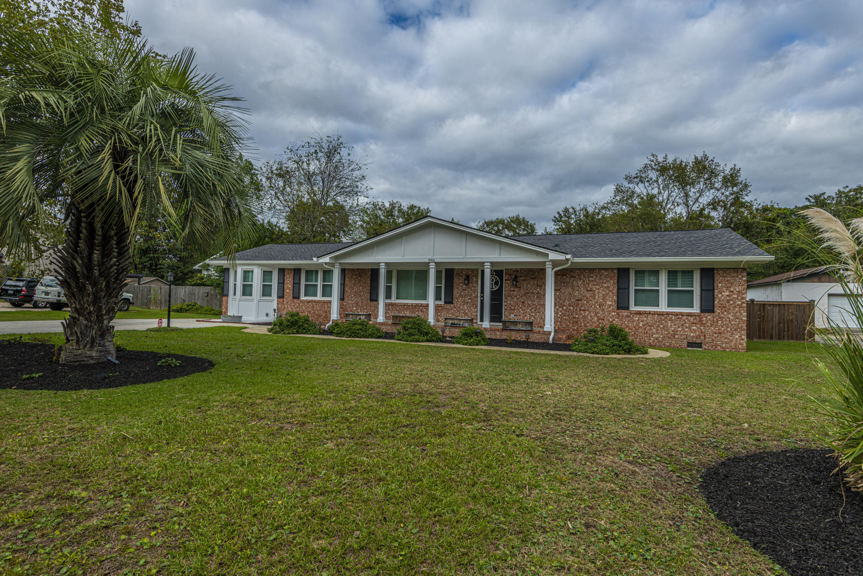 846 Mikell Drive Charleston, SC 29412