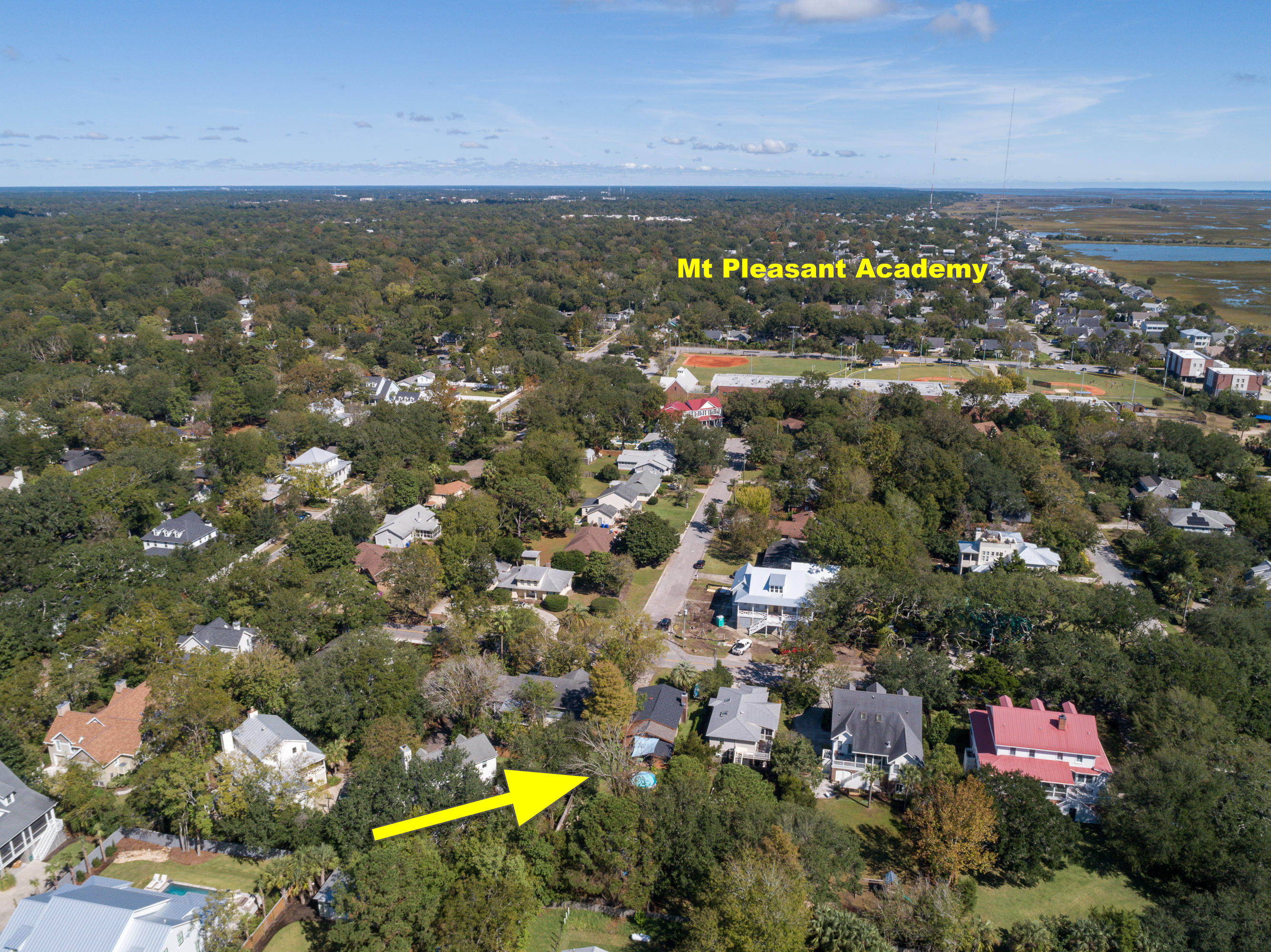 915 Royall Avenue Mount Pleasant, SC 29464
