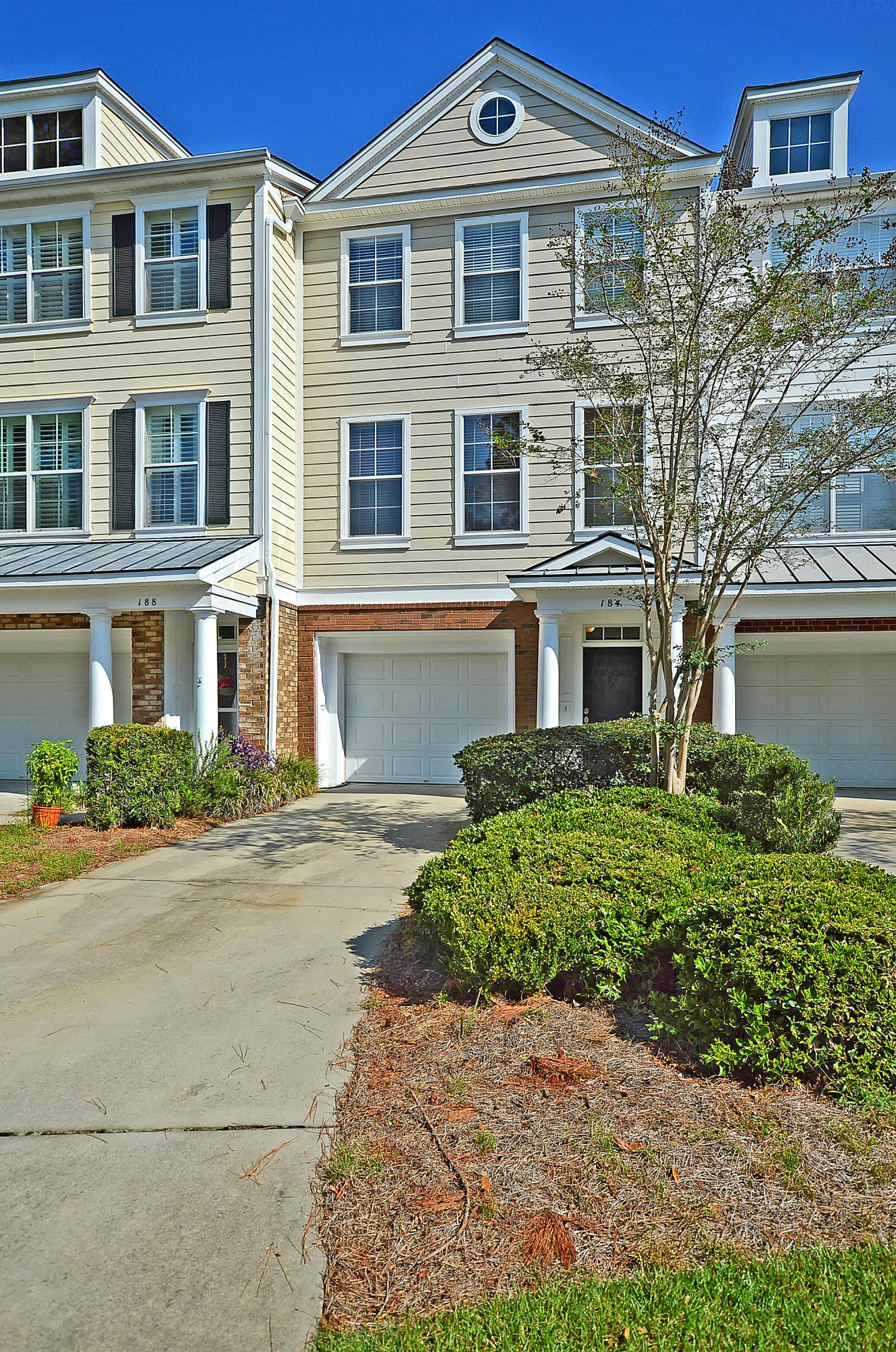 184 Fair Sailing Road Mount Pleasant, SC 29466
