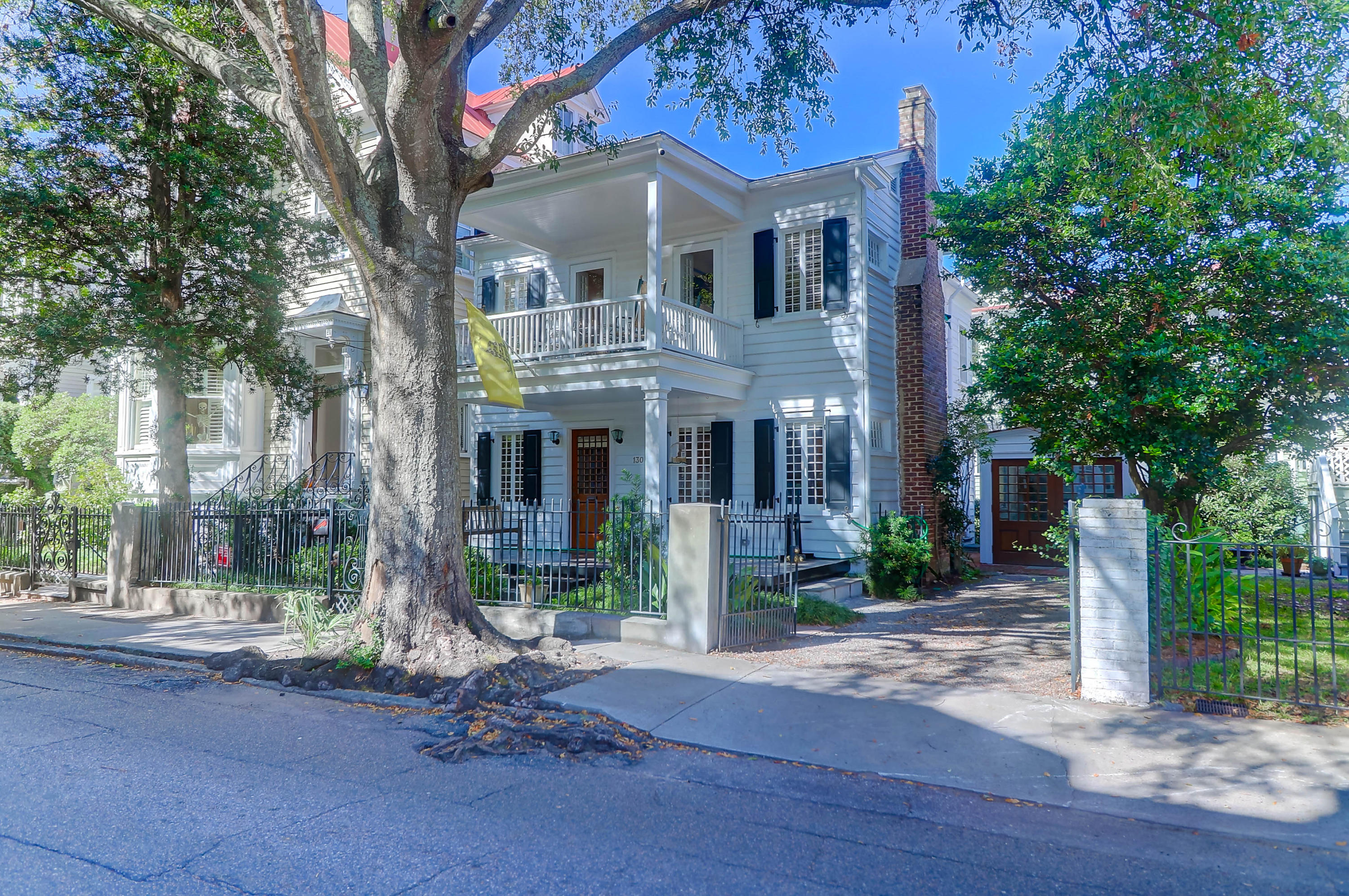 South of Broad Homes For Sale - 130 1/2 Tradd, Charleston, SC - 10