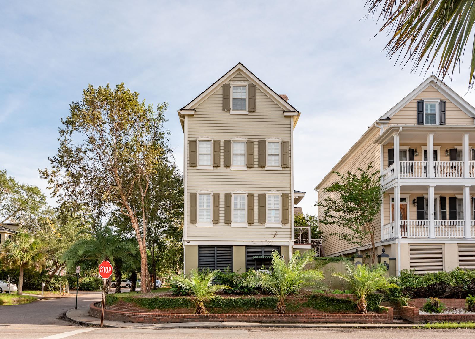 201 Wentworth Street Charleston, SC 29401