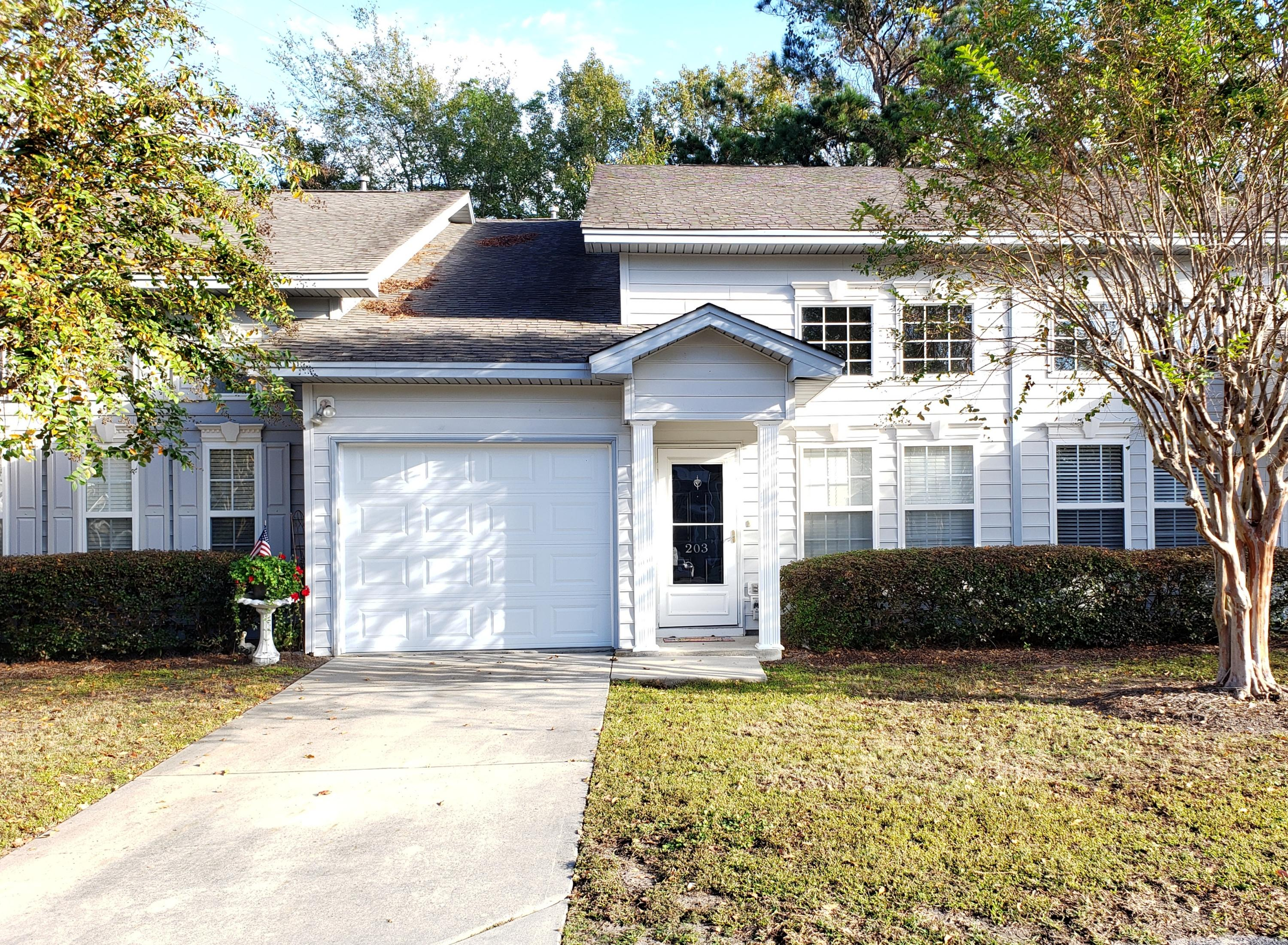 203 Sunnyside Way Summerville, SC 29485