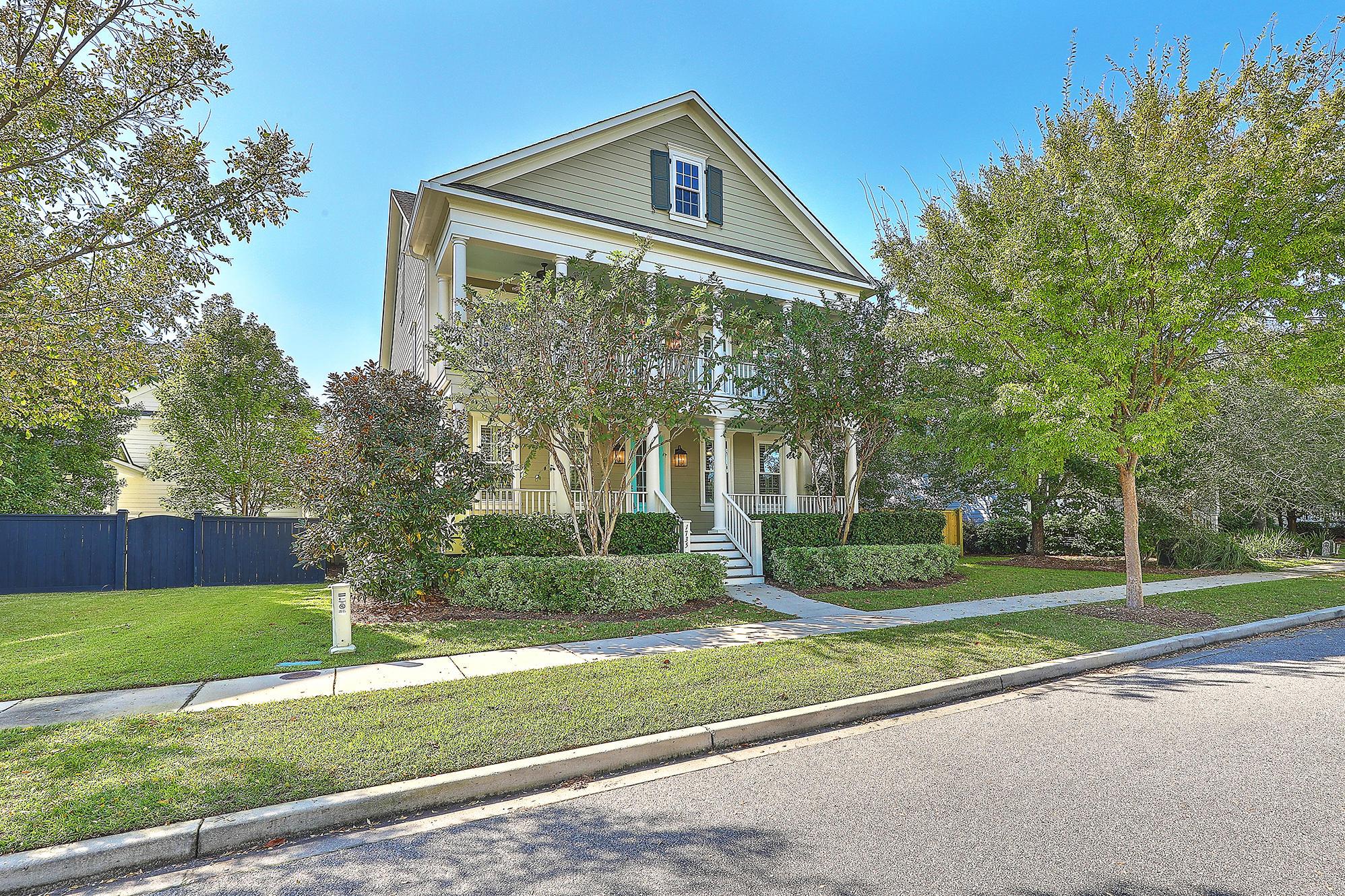 1735 Sailmaker Street Charleston, SC 29492