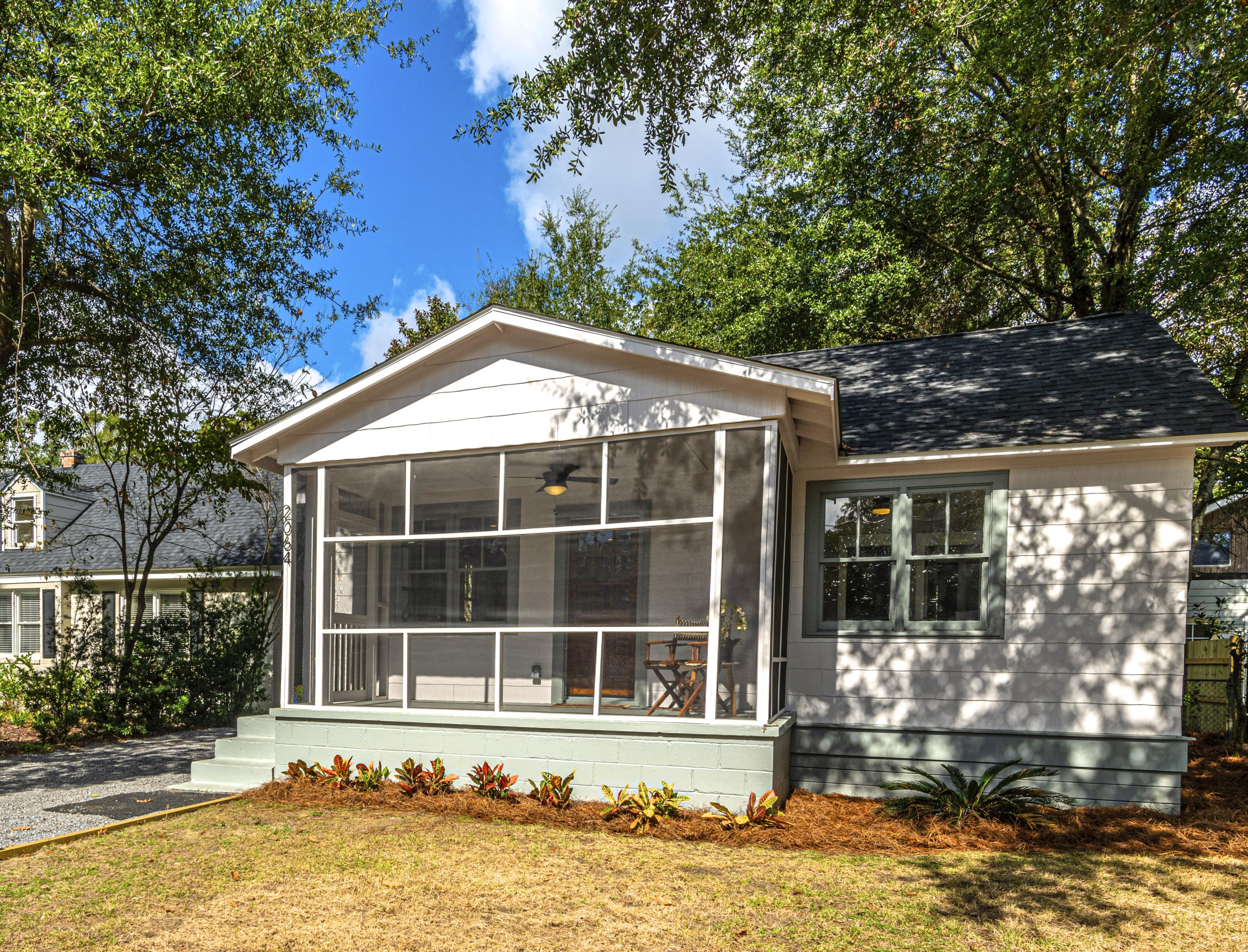 2064 Medway Road Charleston, SC 29412