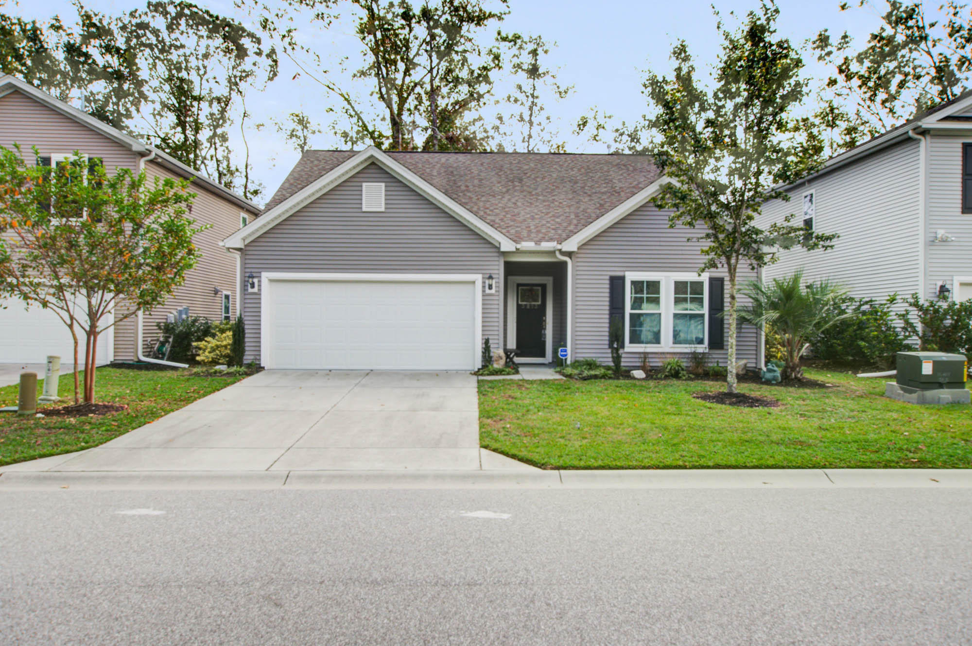 3813 Hanoverian Drive Mount Pleasant, SC 29429