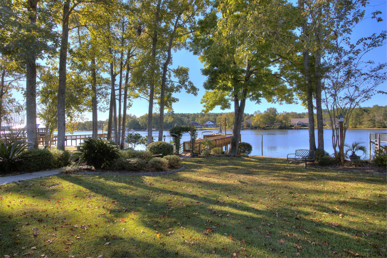 25 Ridge Lake Drive Manning, SC 29102