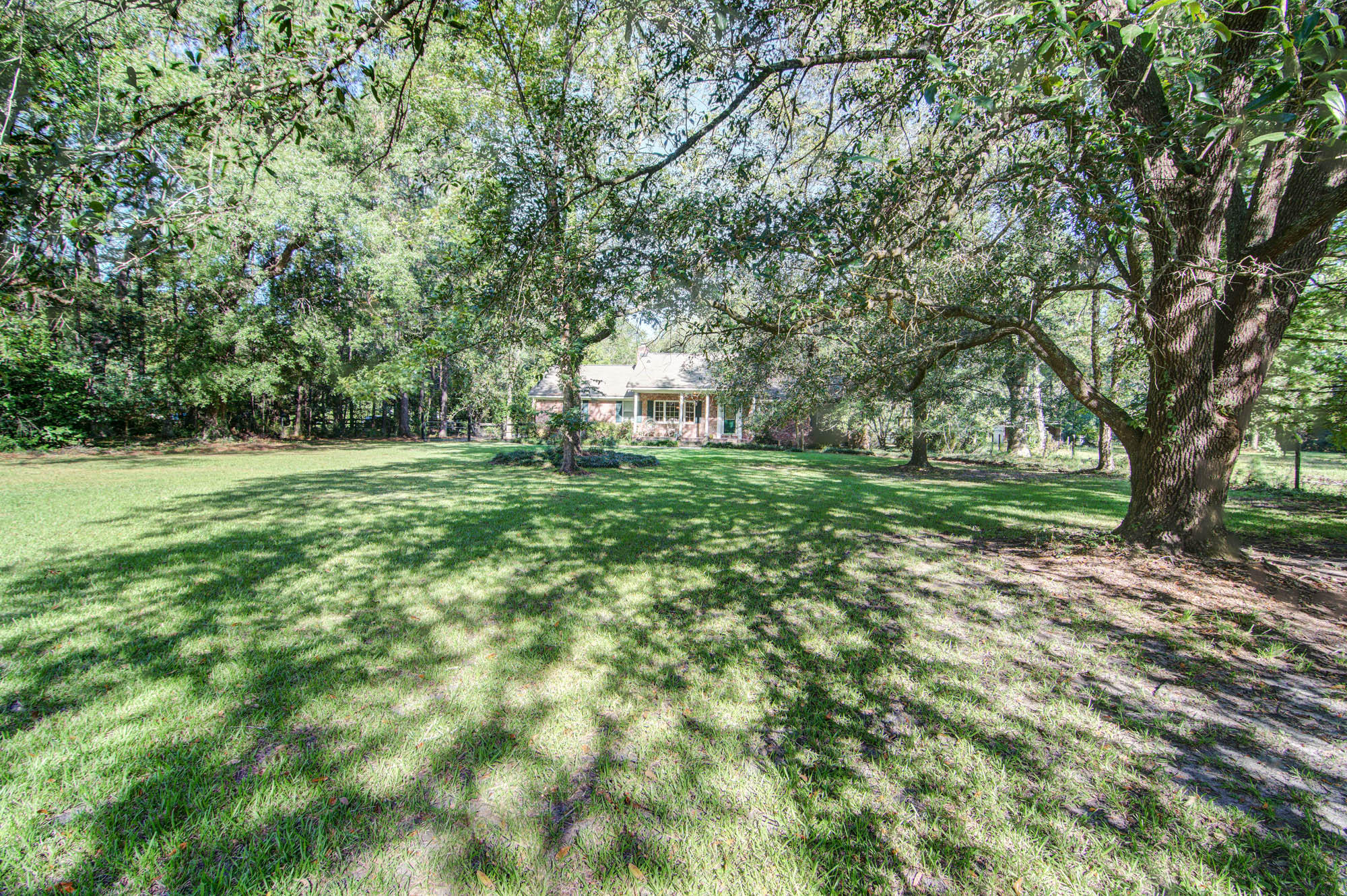229 W Meadow Drive Ridgeville, SC 29472