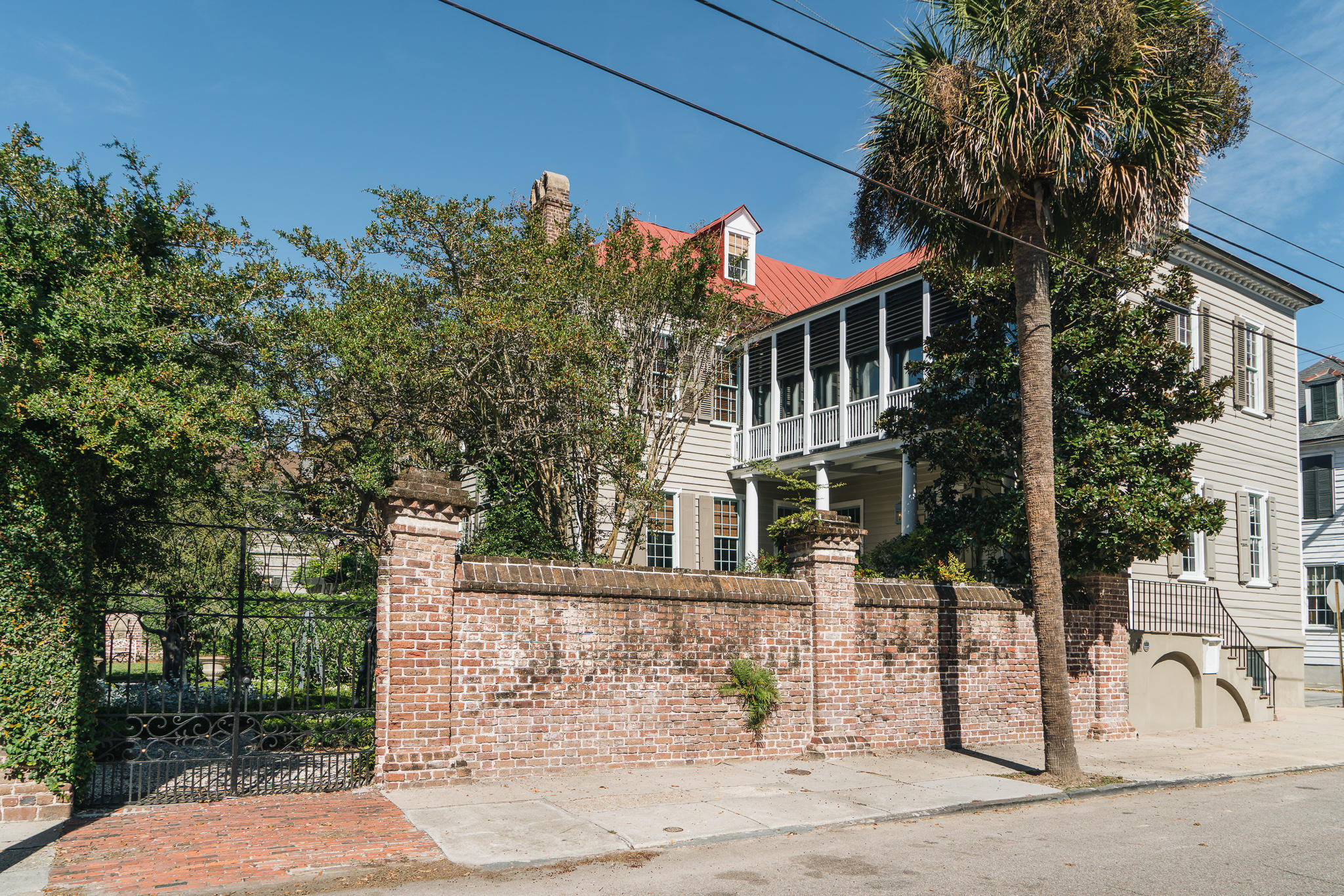 58 S South Battery Charleston, SC 29401