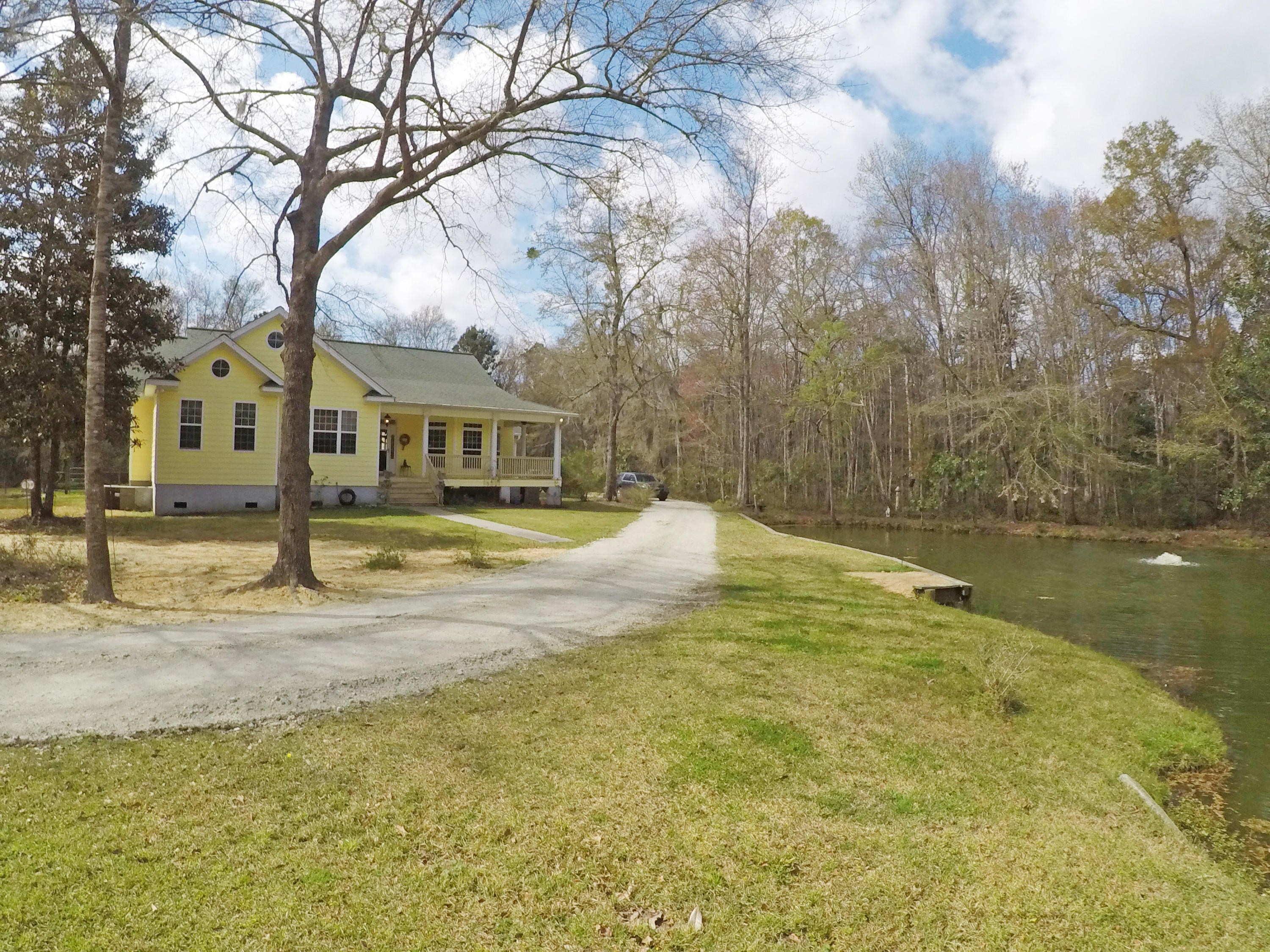 6035 Bay Pond Road Ravenel, SC 29470