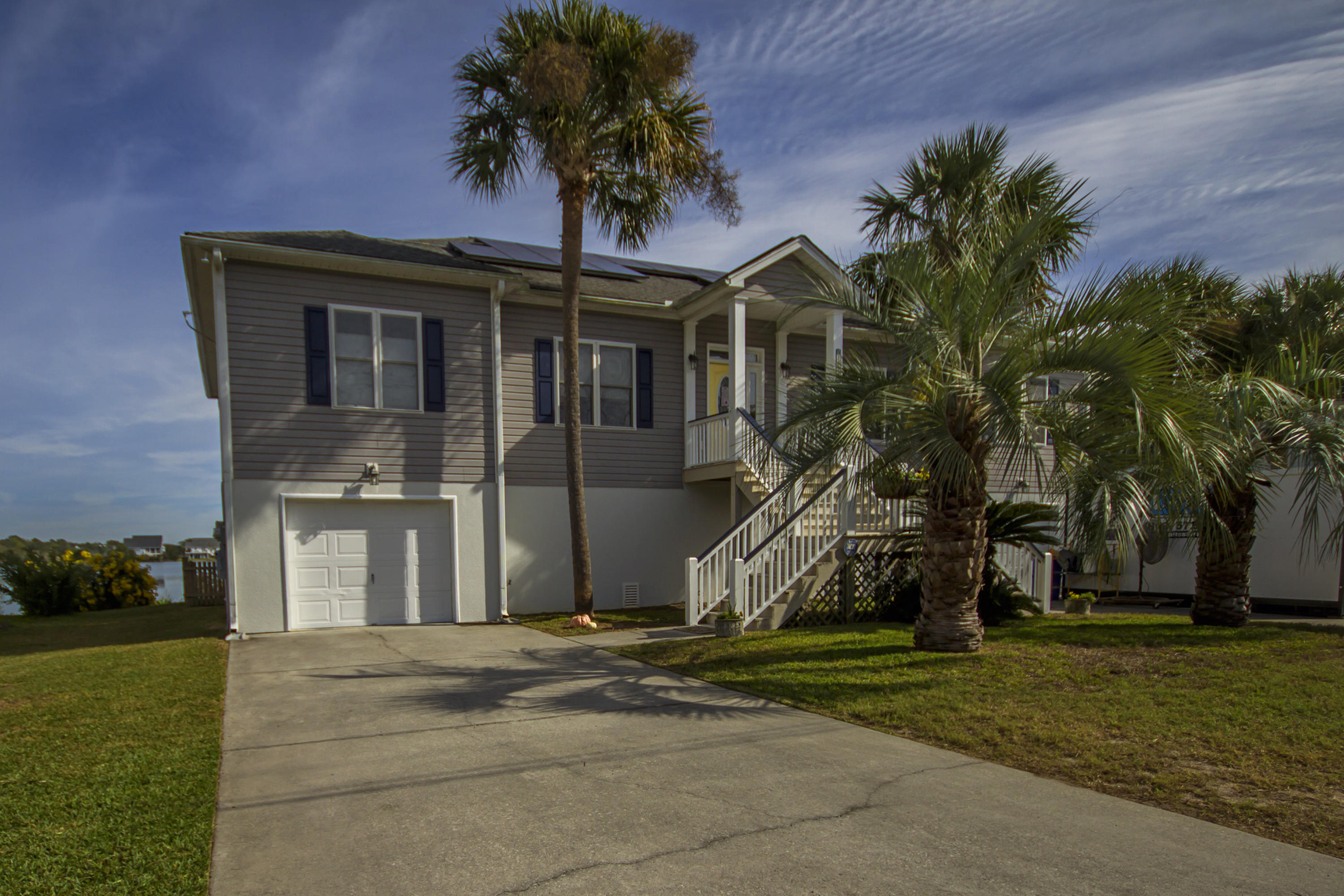 1696 Tower Battery Road Charleston, SC 29412