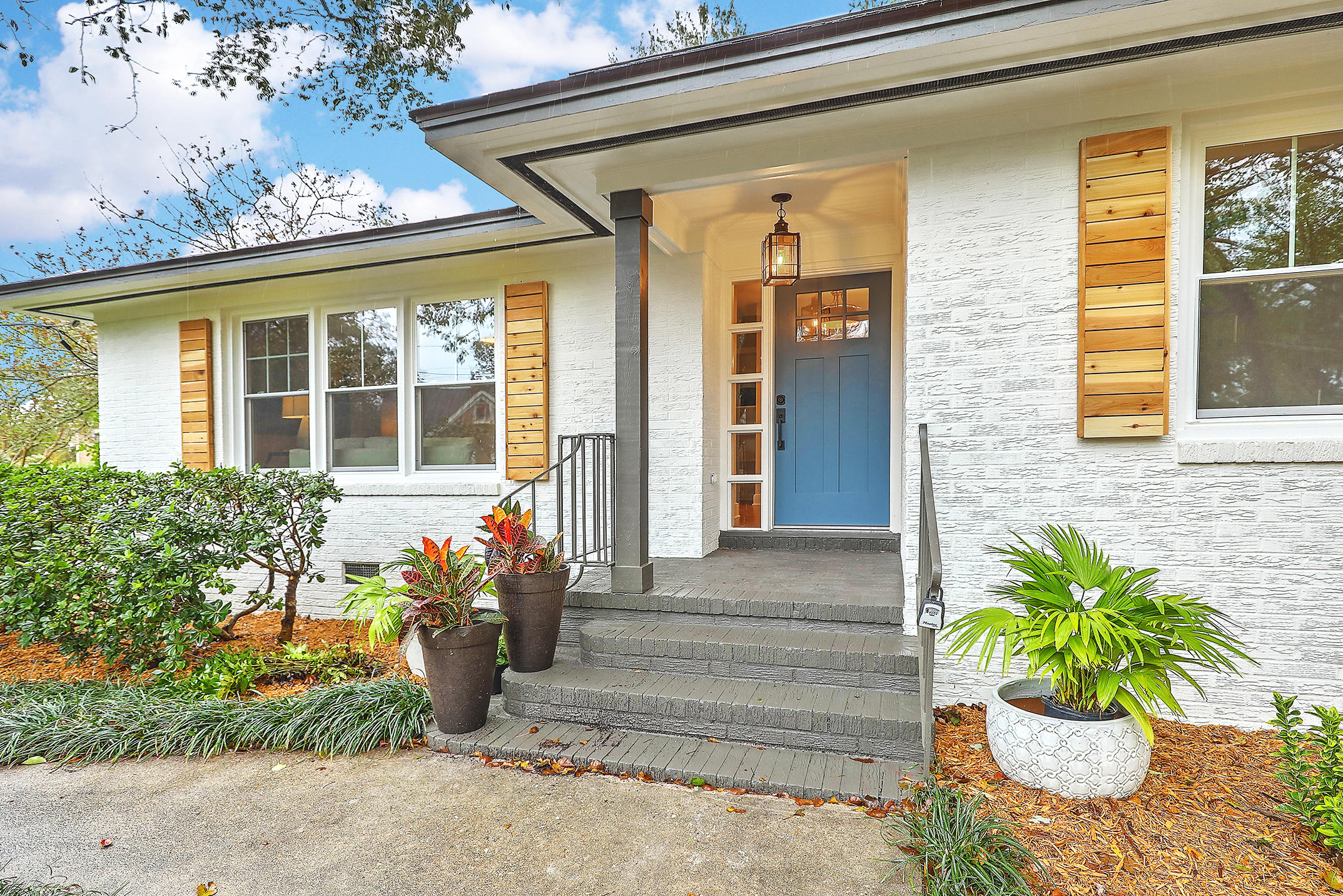 812 St Denis Drive Charleston, SC 29407
