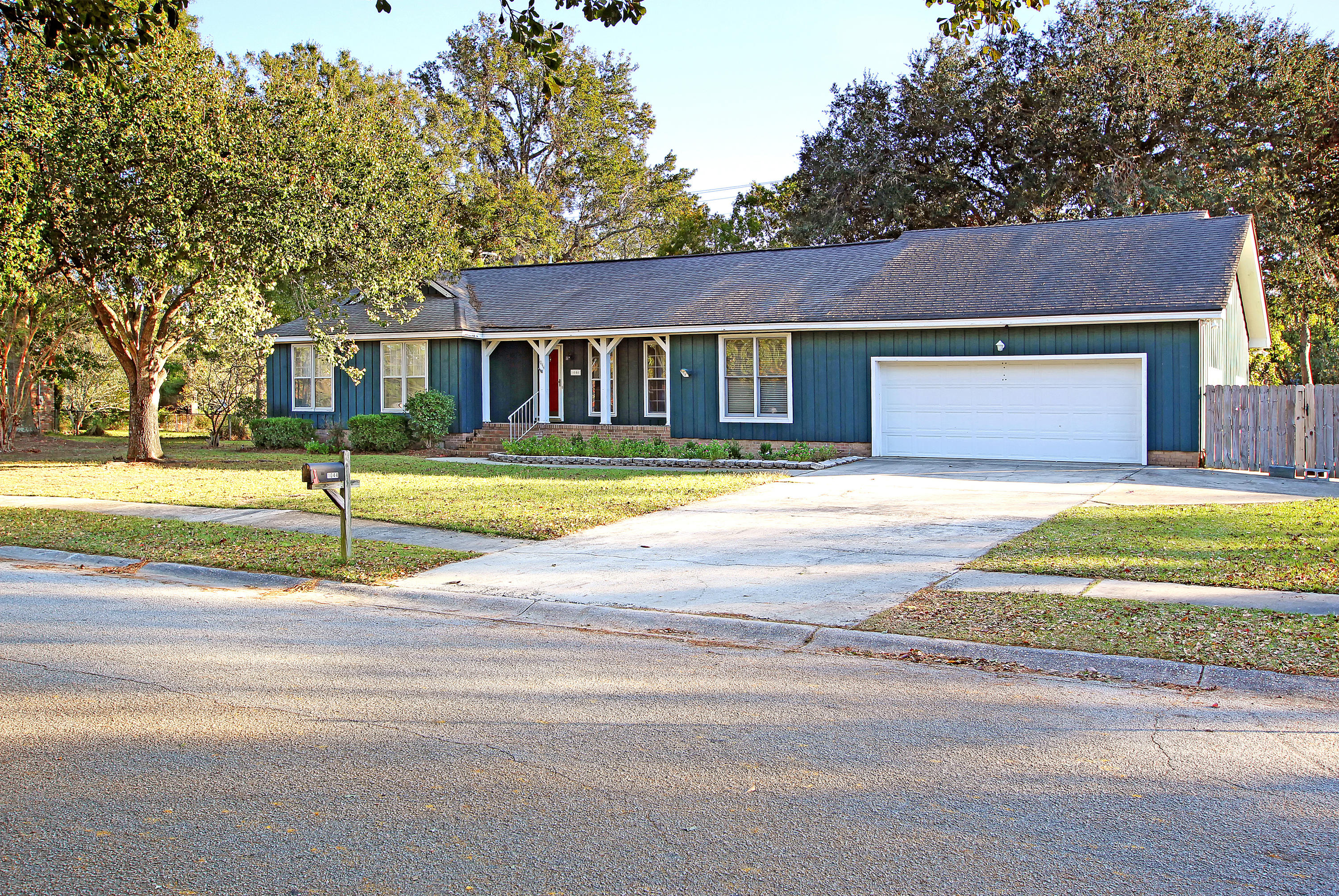 1044 Foxcroft Road Charleston, SC 29412