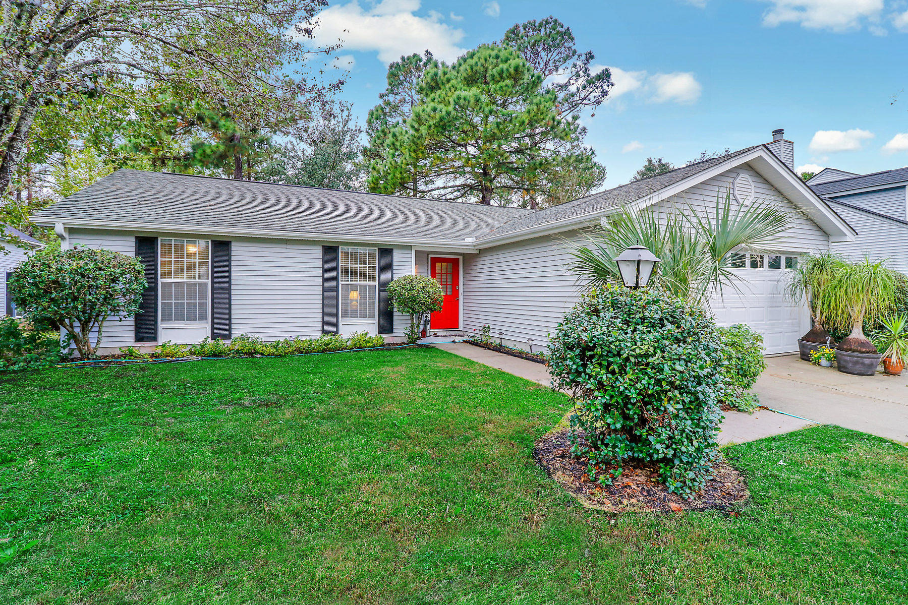 2016 Presidio Drive Mount Pleasant, SC 29466