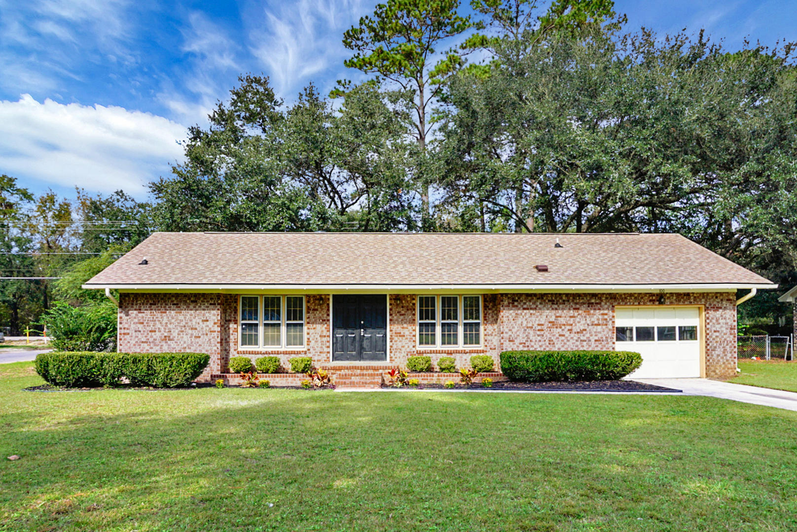 100 Maple Drive Summerville, SC 29485