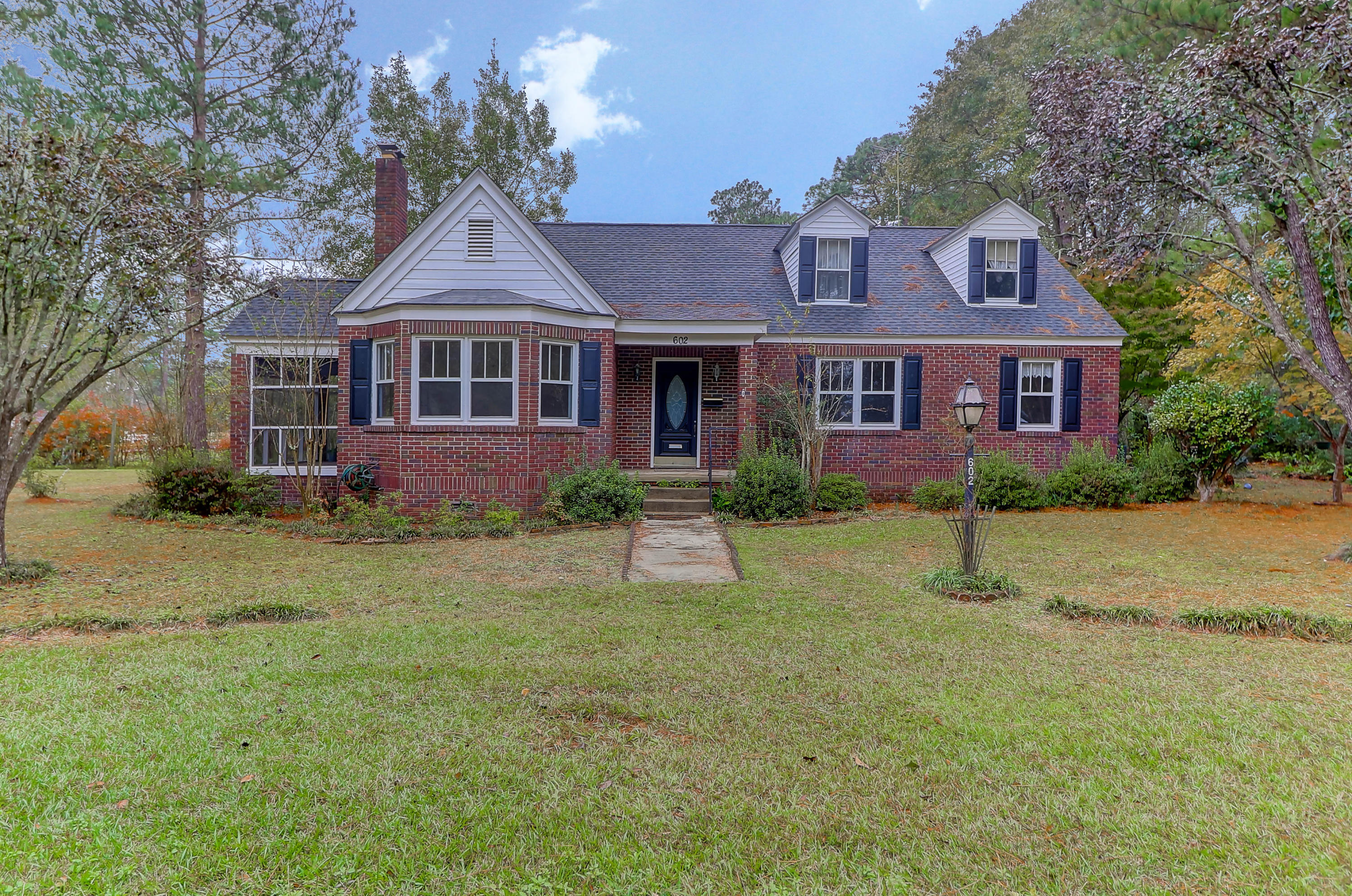 602 W 5th North Street Summerville, SC 29483