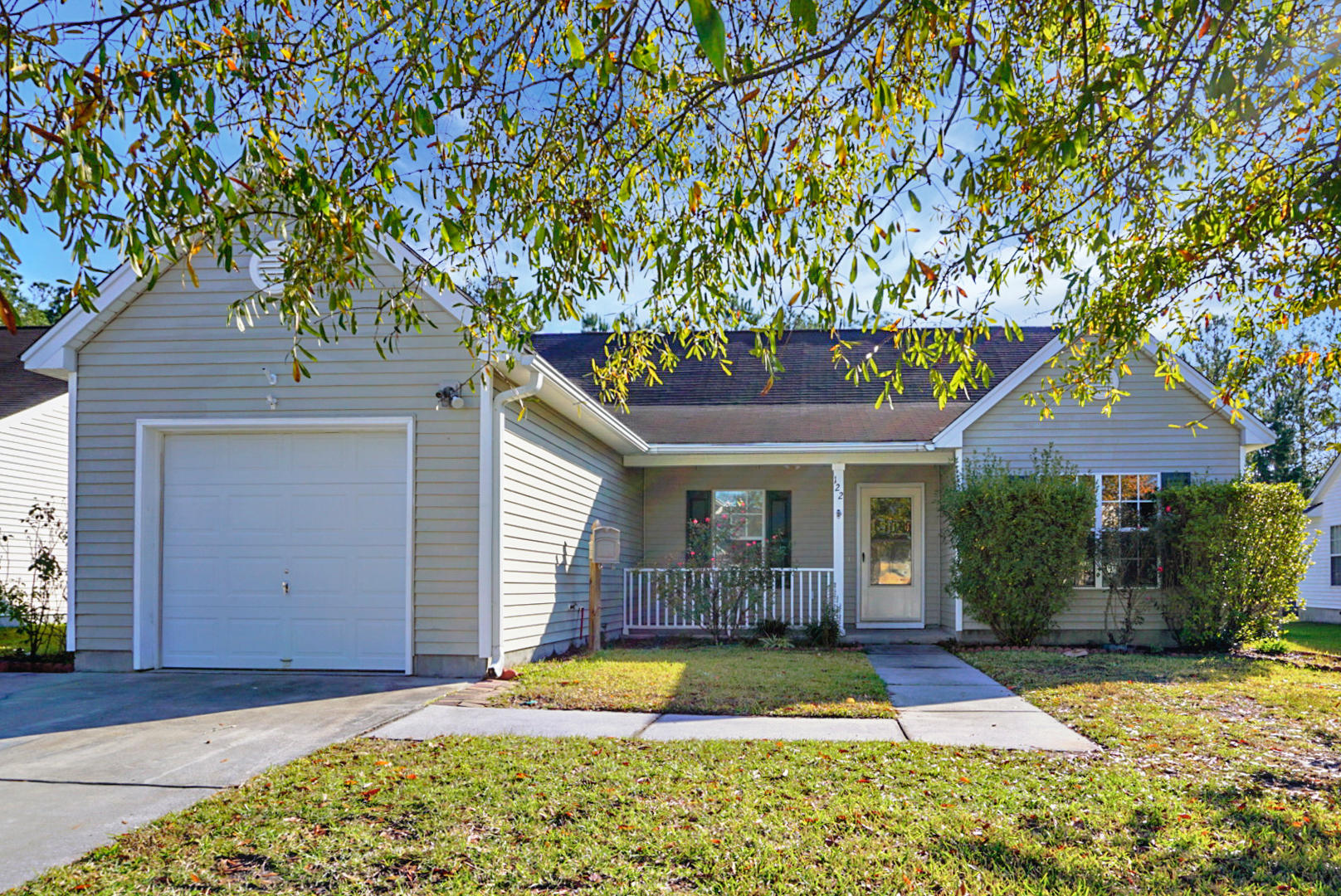 122 Dovetail Circle Summerville, SC 29483