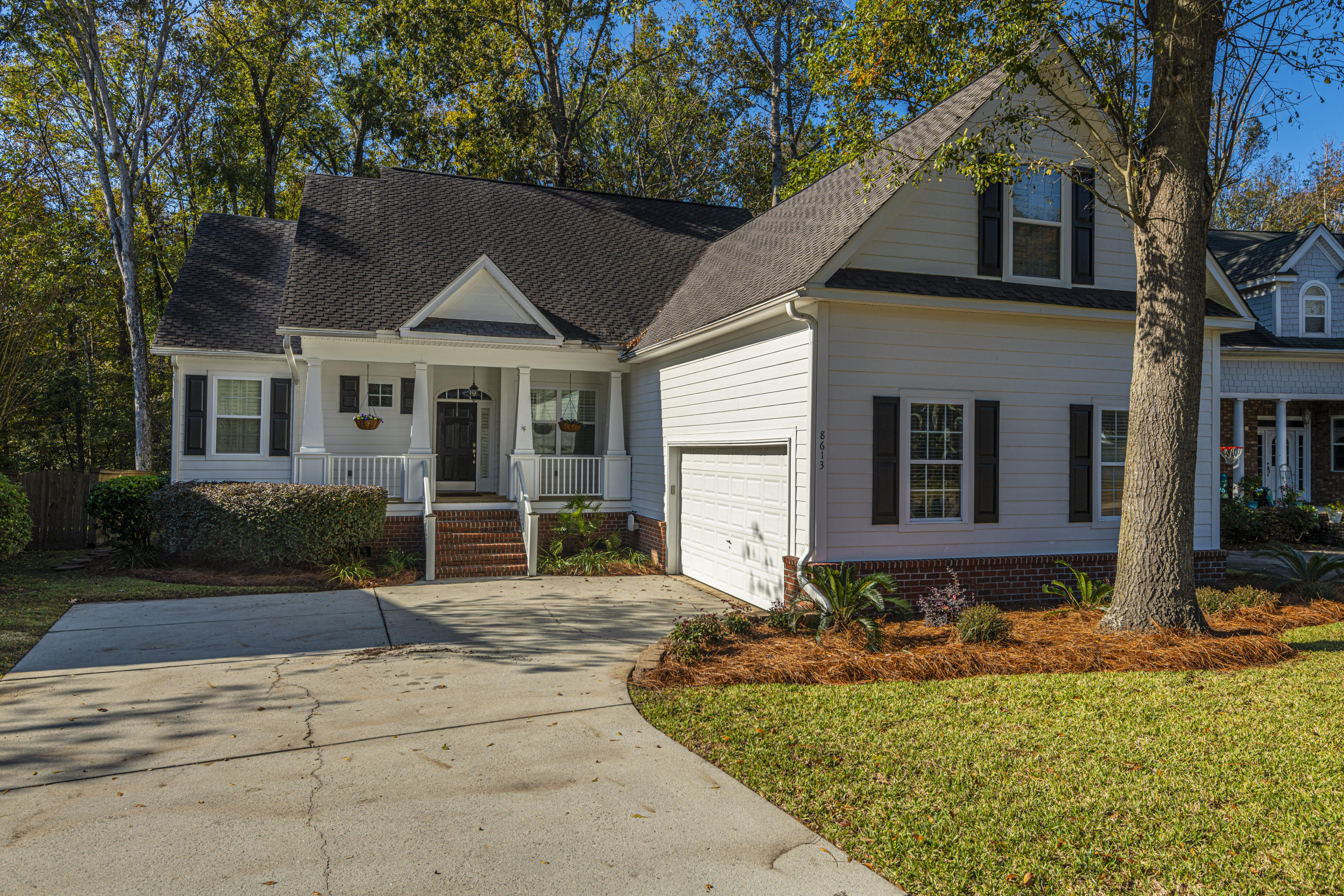 8613 Woodland Walk North Charleston, SC 29420