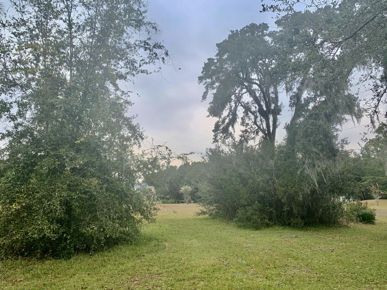 1052 Pinefield Drive Charleston, SC 29492