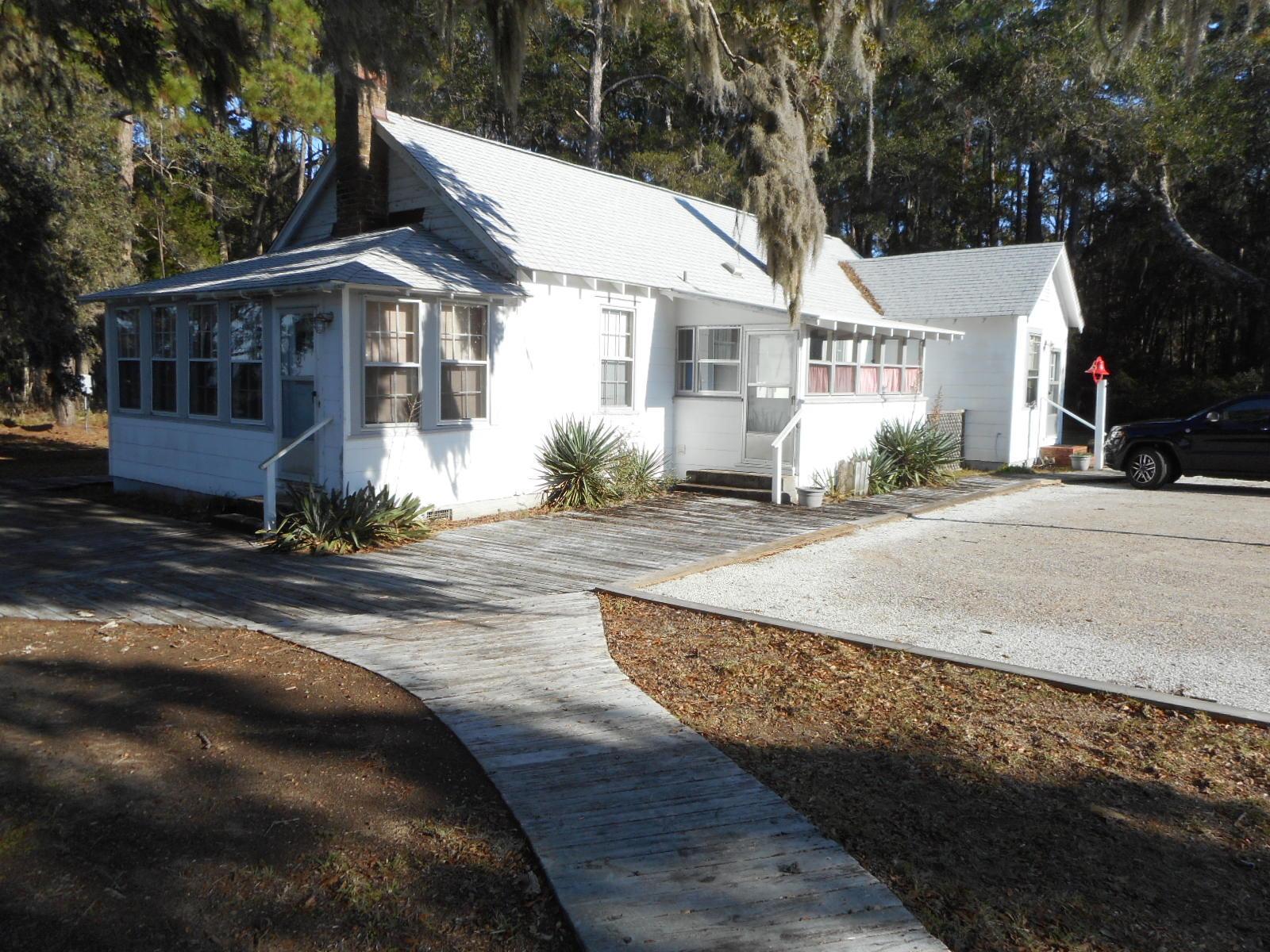 8538 Peters Point Road Edisto Island, SC 29438