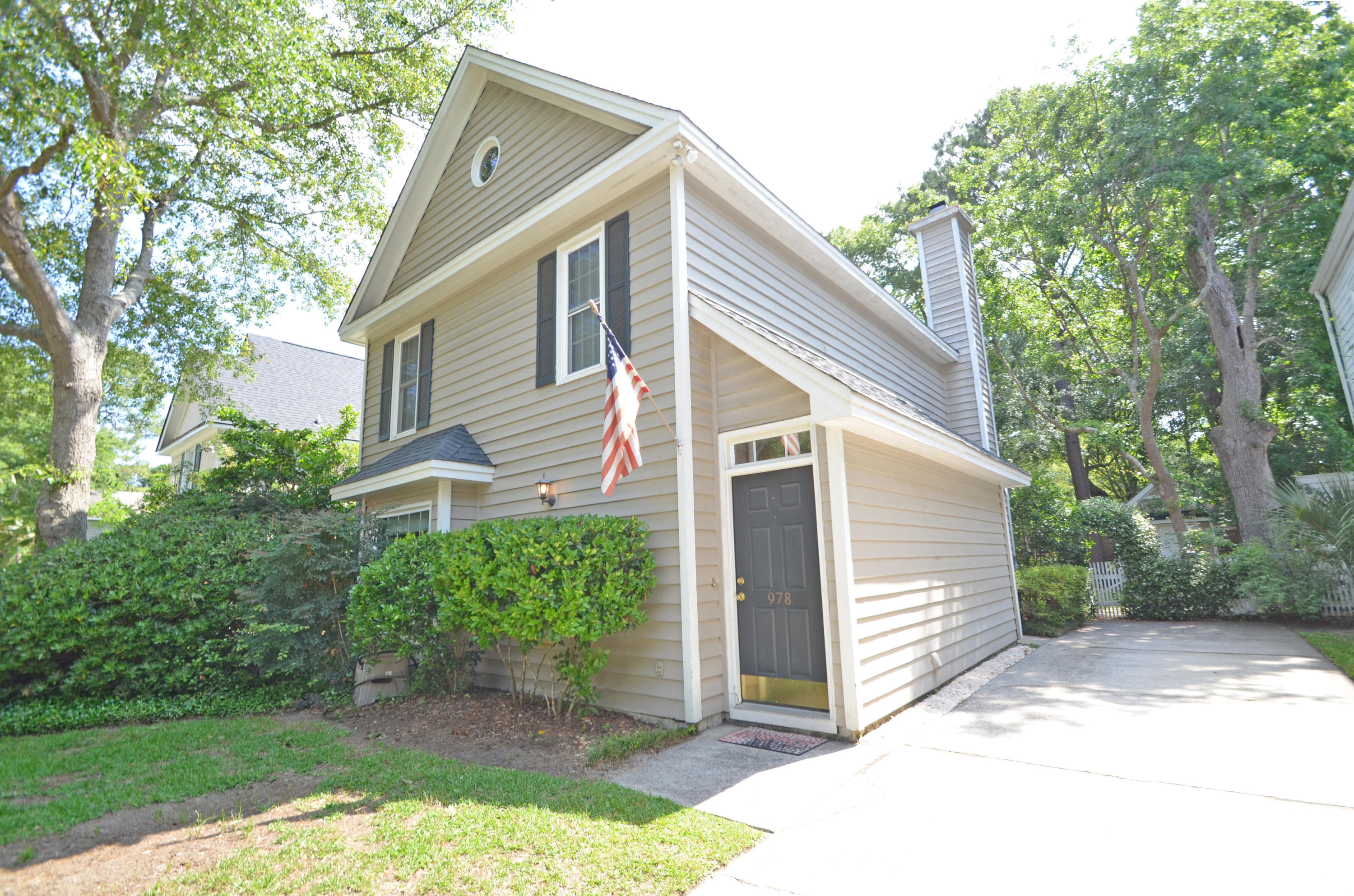 978 Governors Road Mount Pleasant, SC 29464