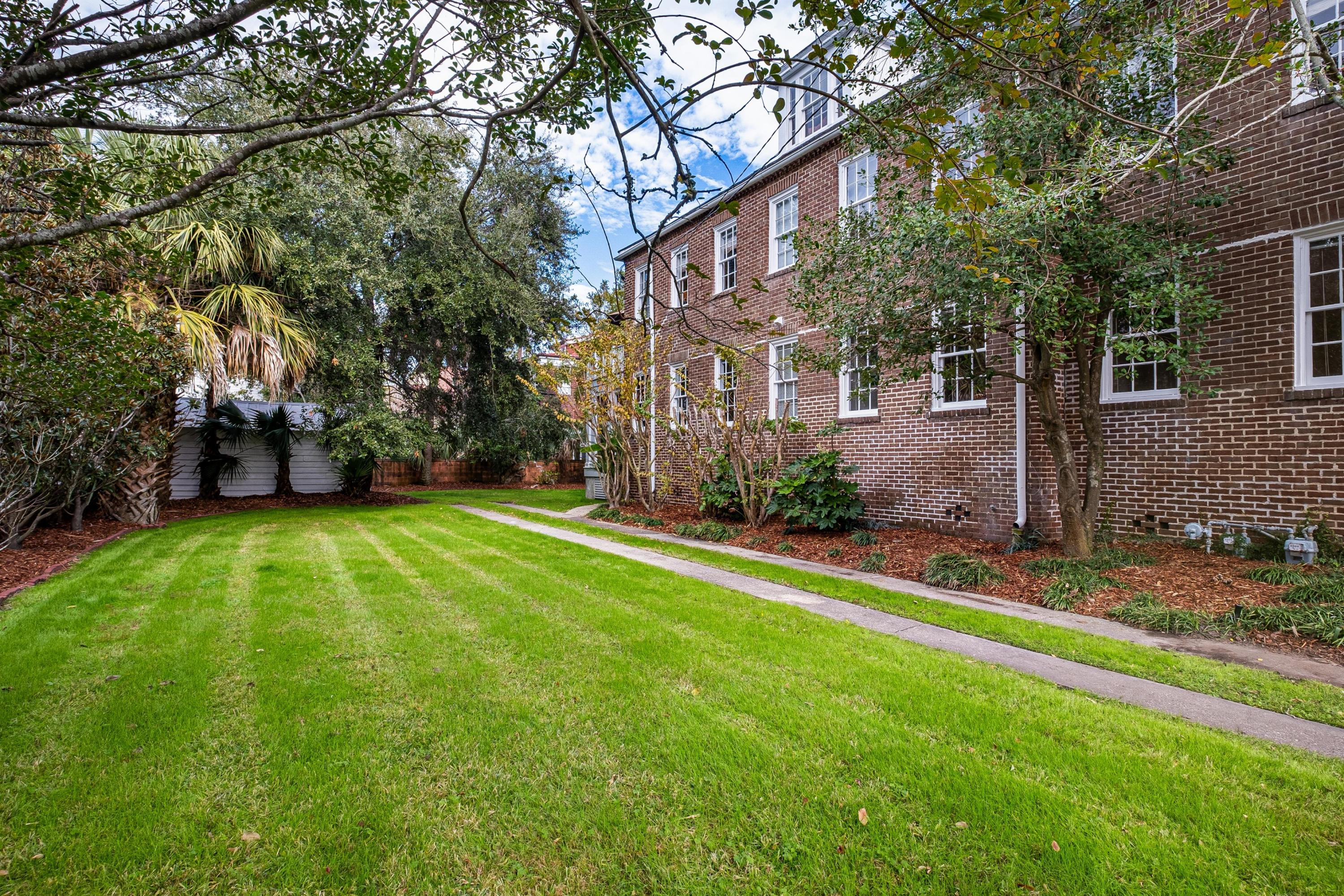 138 S South Battery Charleston, SC 29401