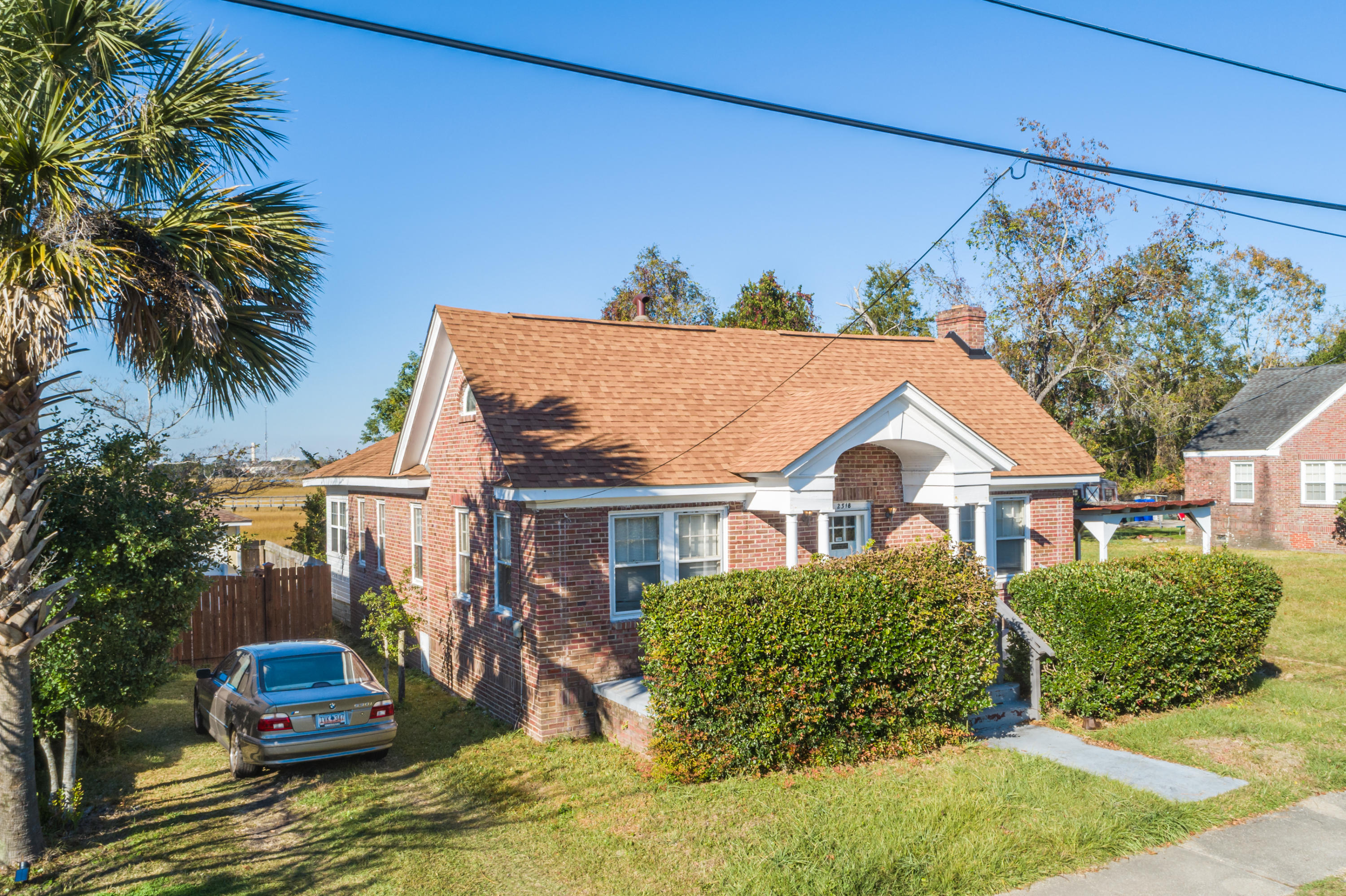2318 Sunnyside Avenue Charleston, SC 29403
