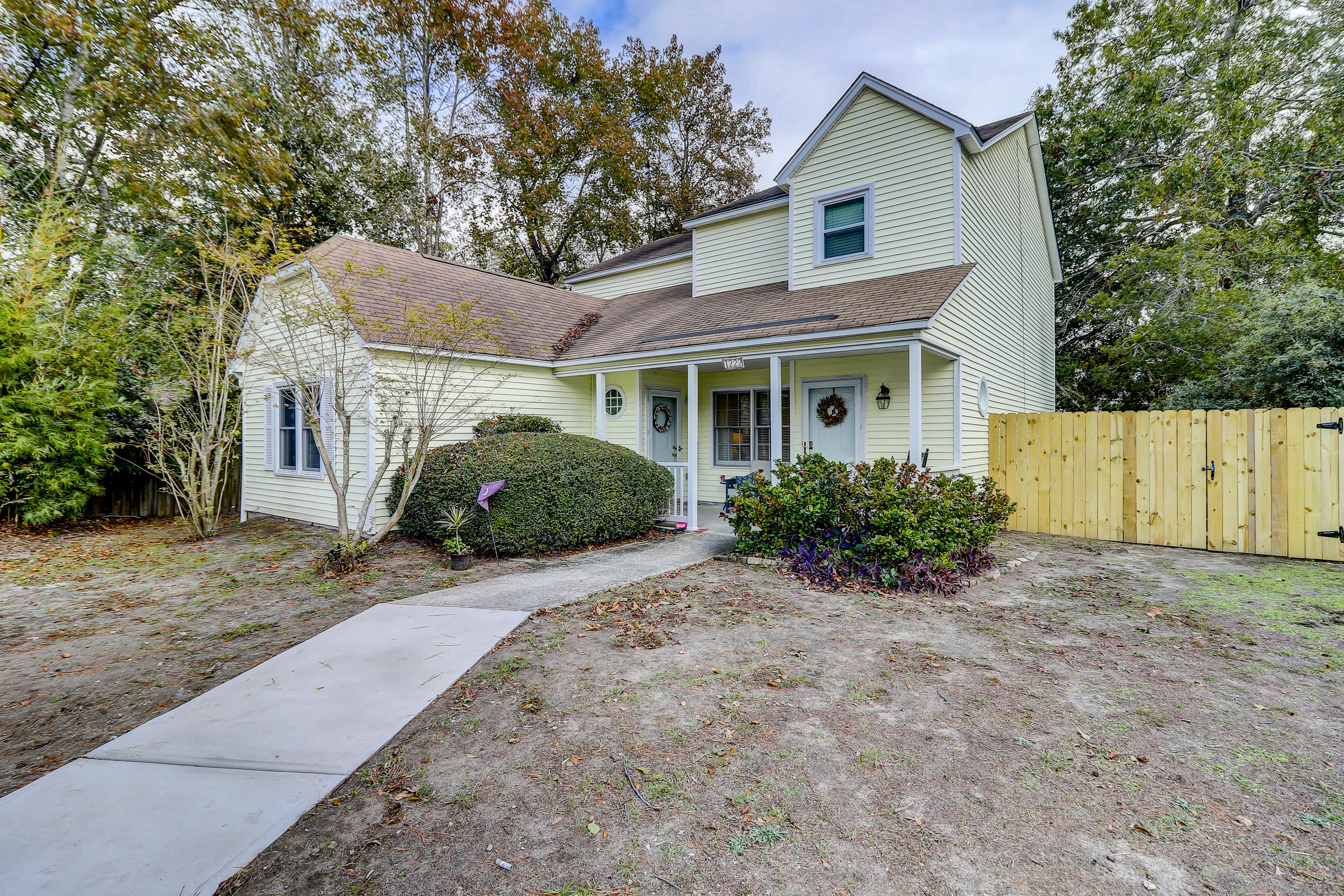 1222 Meadow Park Lane Mount Pleasant, SC 29464