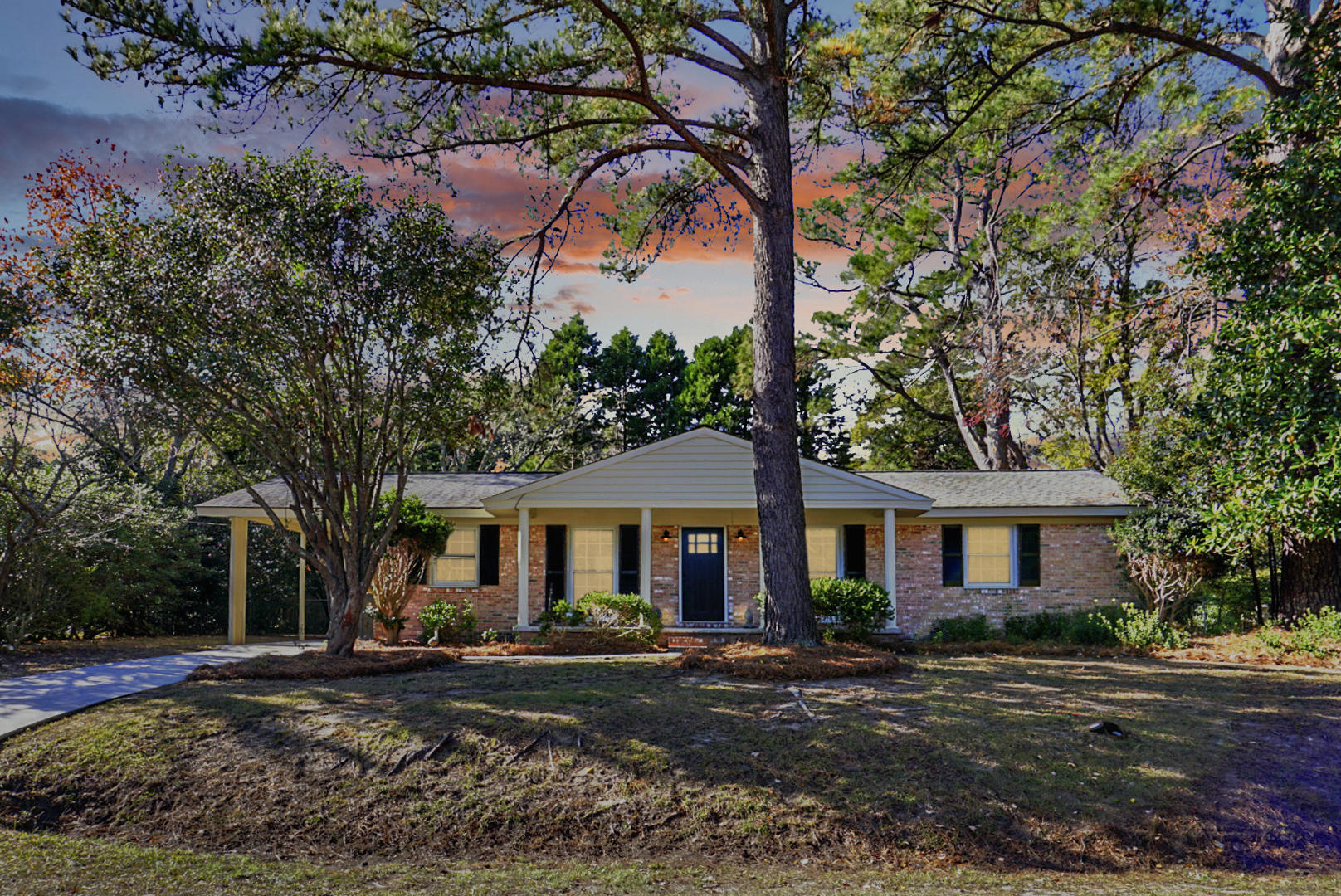 1832 Gippy Lane Charleston, SC 29407
