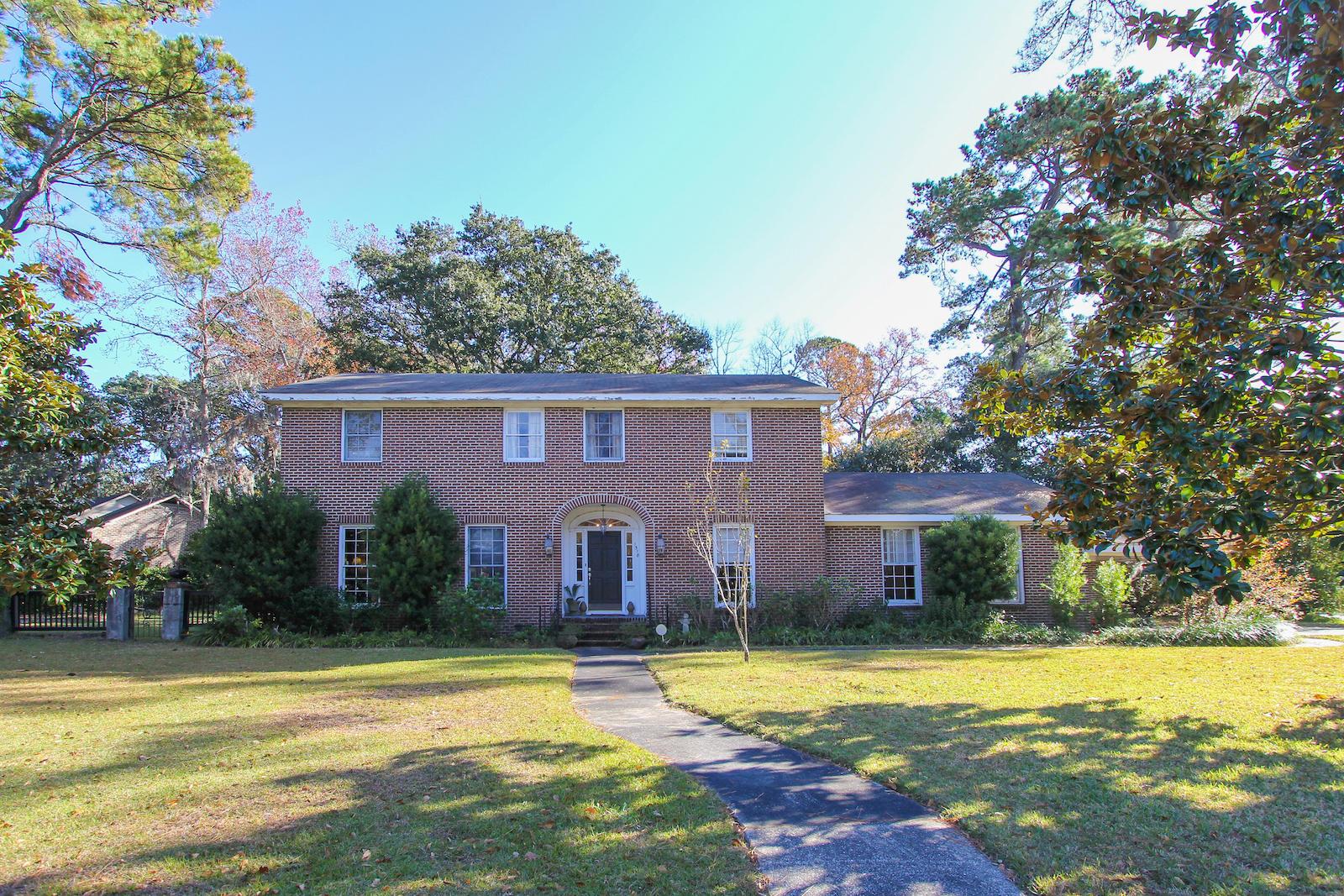 1318 Pembrooke Drive Charleston, SC 29407