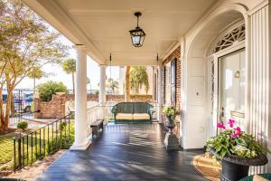 Idyllic setting on Charleston's peaceful waterfront