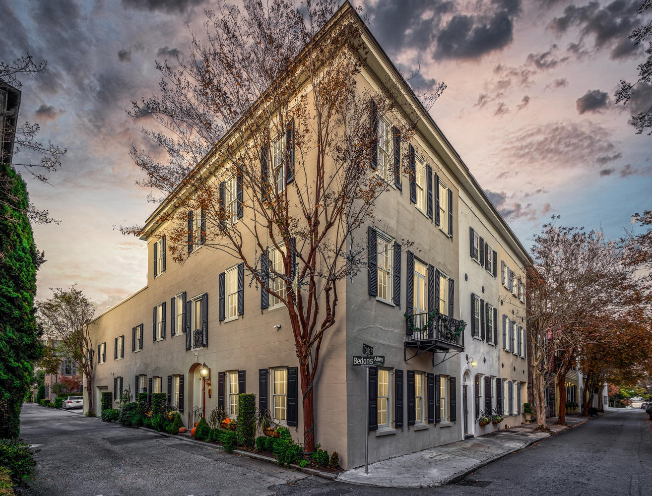 2 Bedons Alley Charleston, SC 29401
