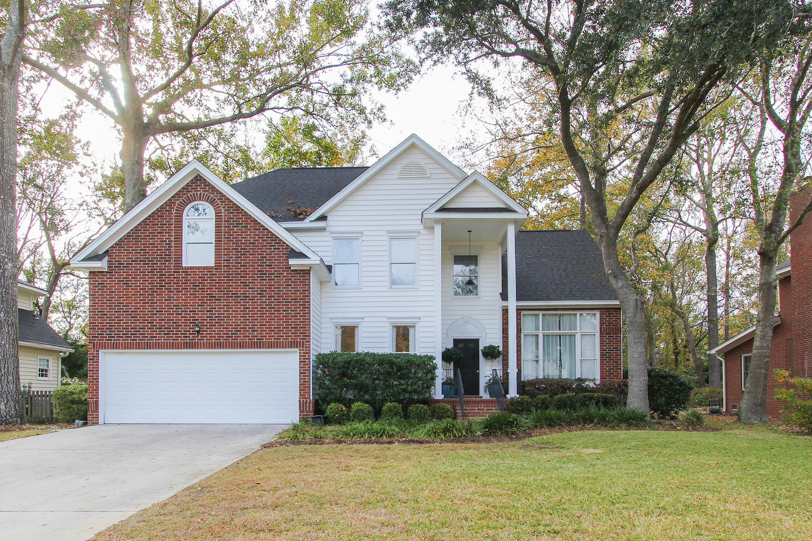 2092 Middleburg Lane Mount Pleasant, SC 29464
