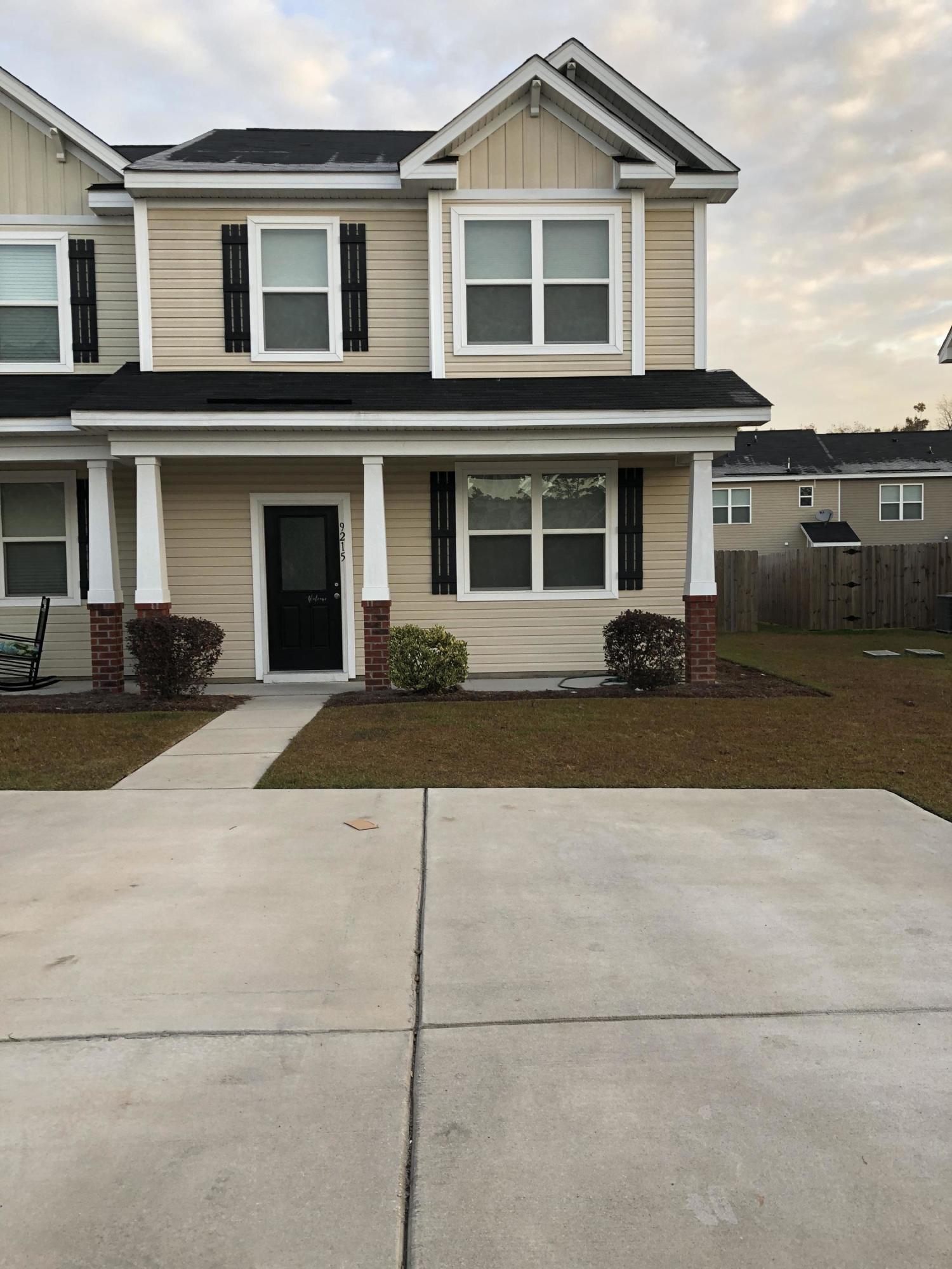 9215 Southern Oak Lane Ladson, SC 29456