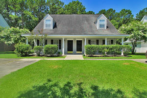 2140 Kings Gate Lane, Mount Pleasant, SC 29466