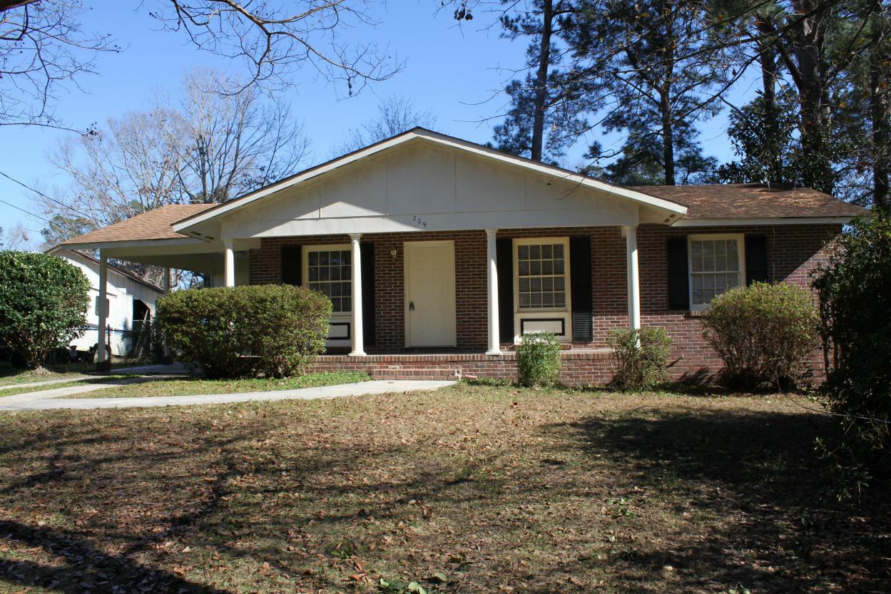 209 Oakdale Drive Summerville, SC 29483