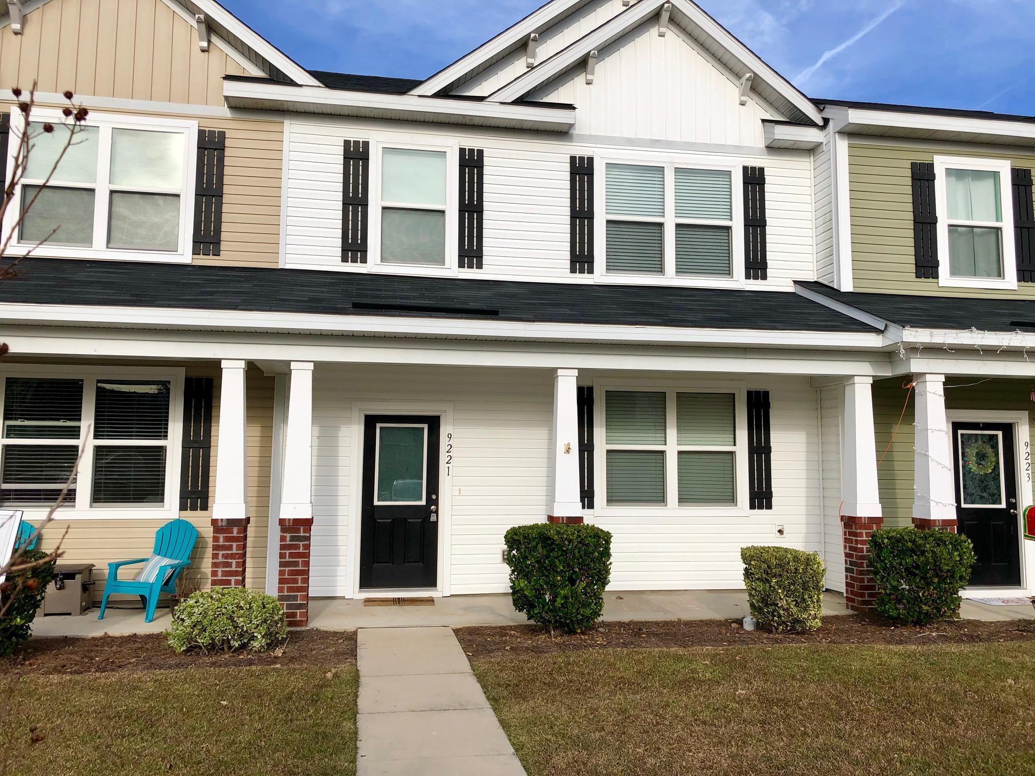 9221 Southern Oak Lane Ladson, SC 29456