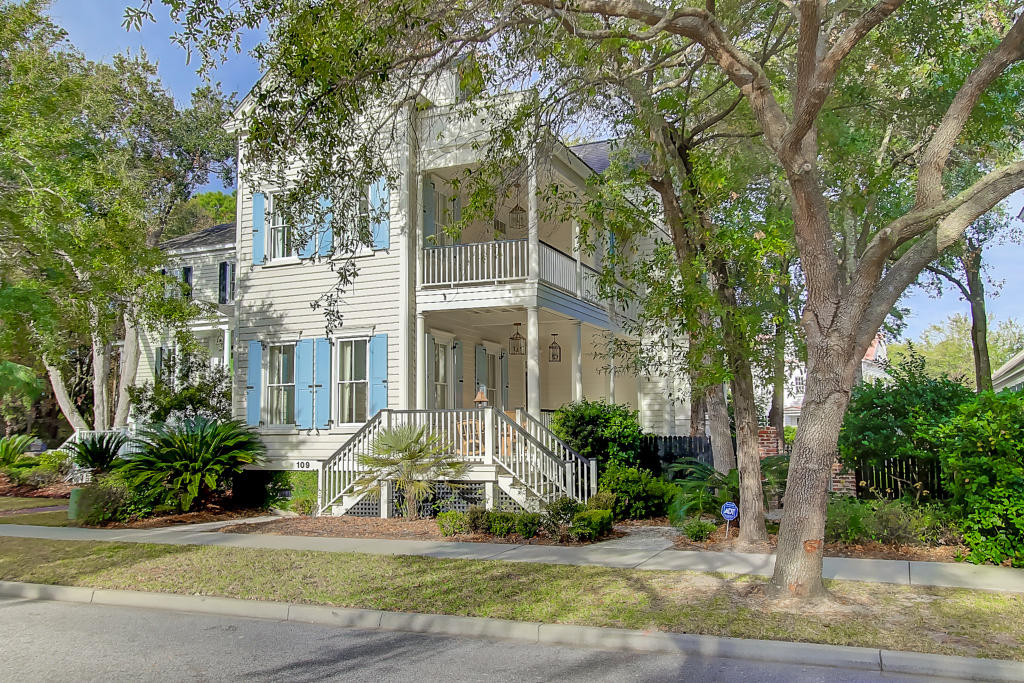109 N Shelmore Boulevard Mount Pleasant, SC 29464