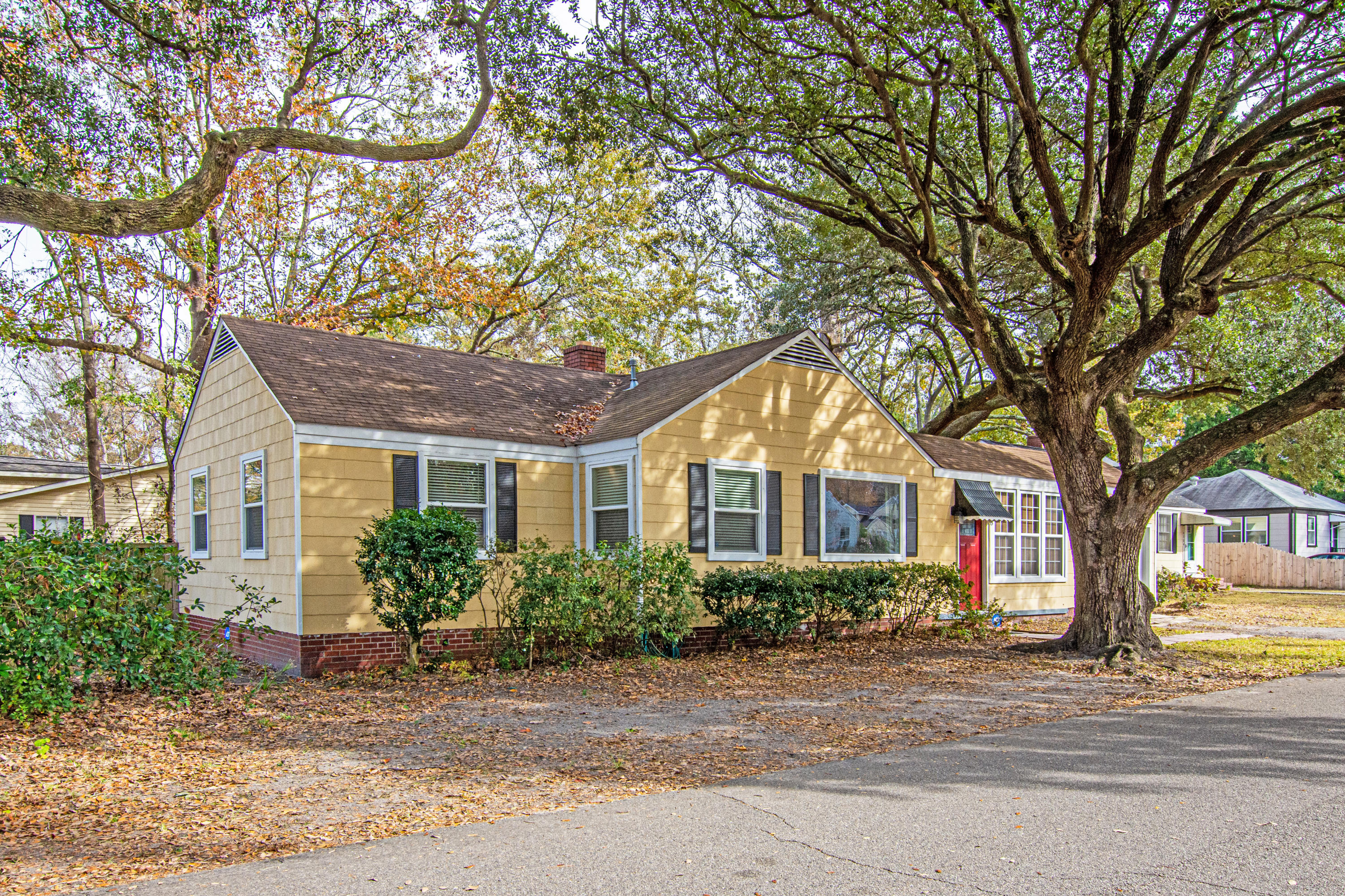 4728 Marlboro Place North Charleston, SC 29405