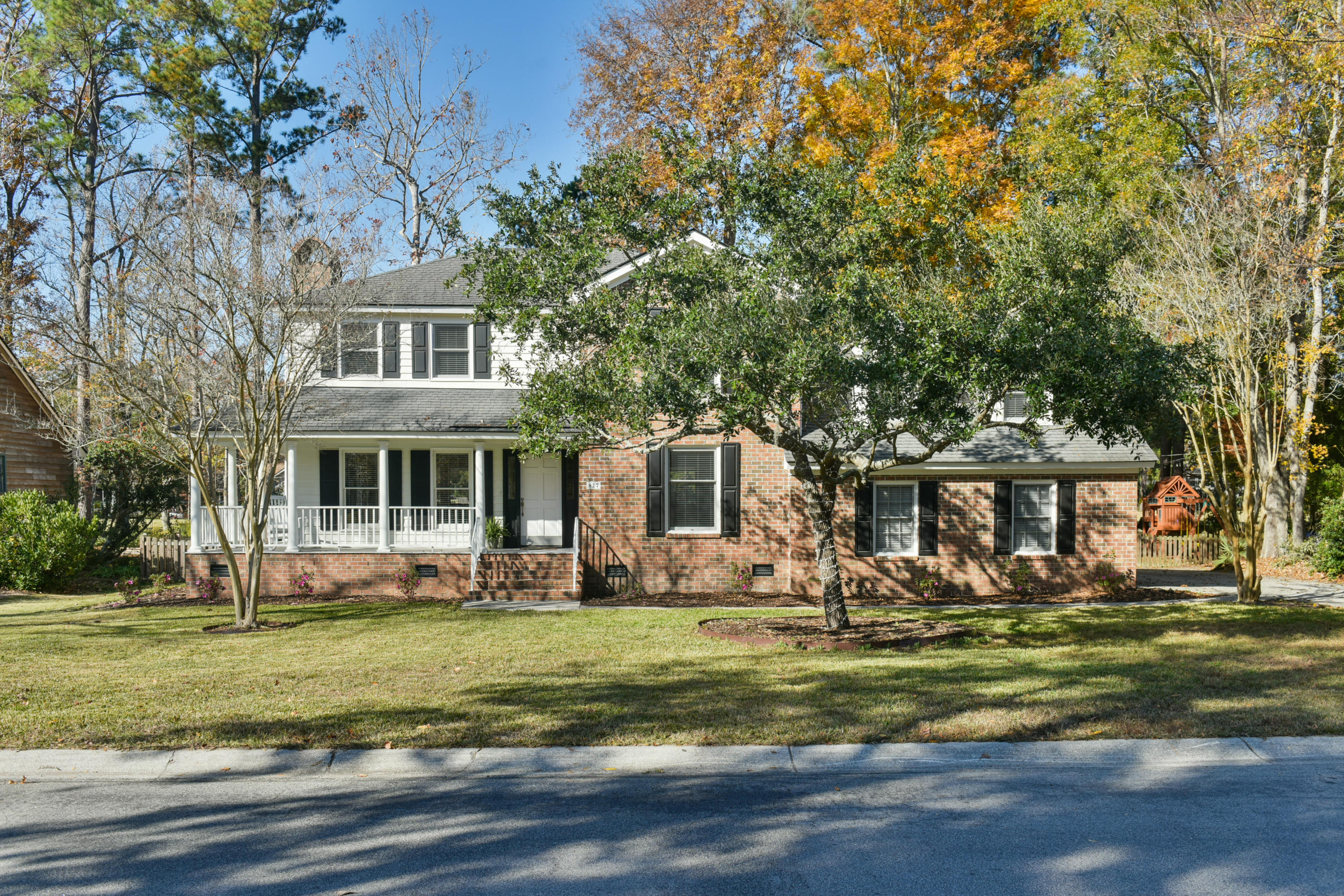 827 Farm Quarter Road Mount Pleasant, SC 29464