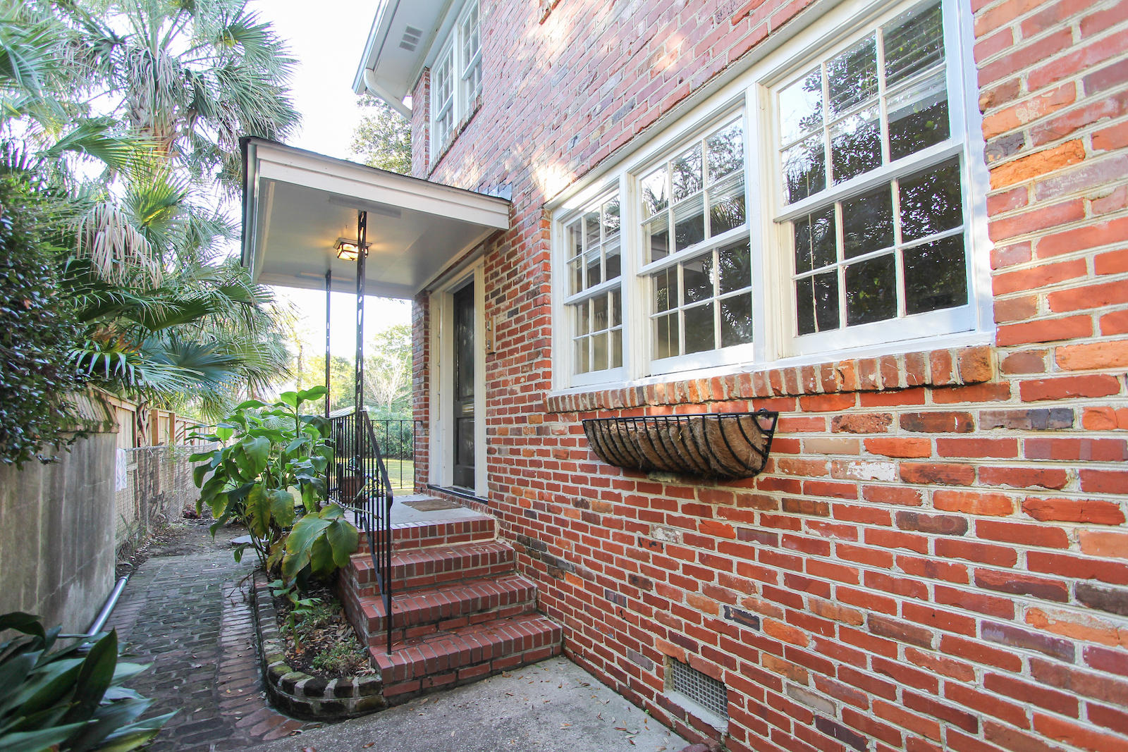 7 E Logan Street Charleston, SC 29401