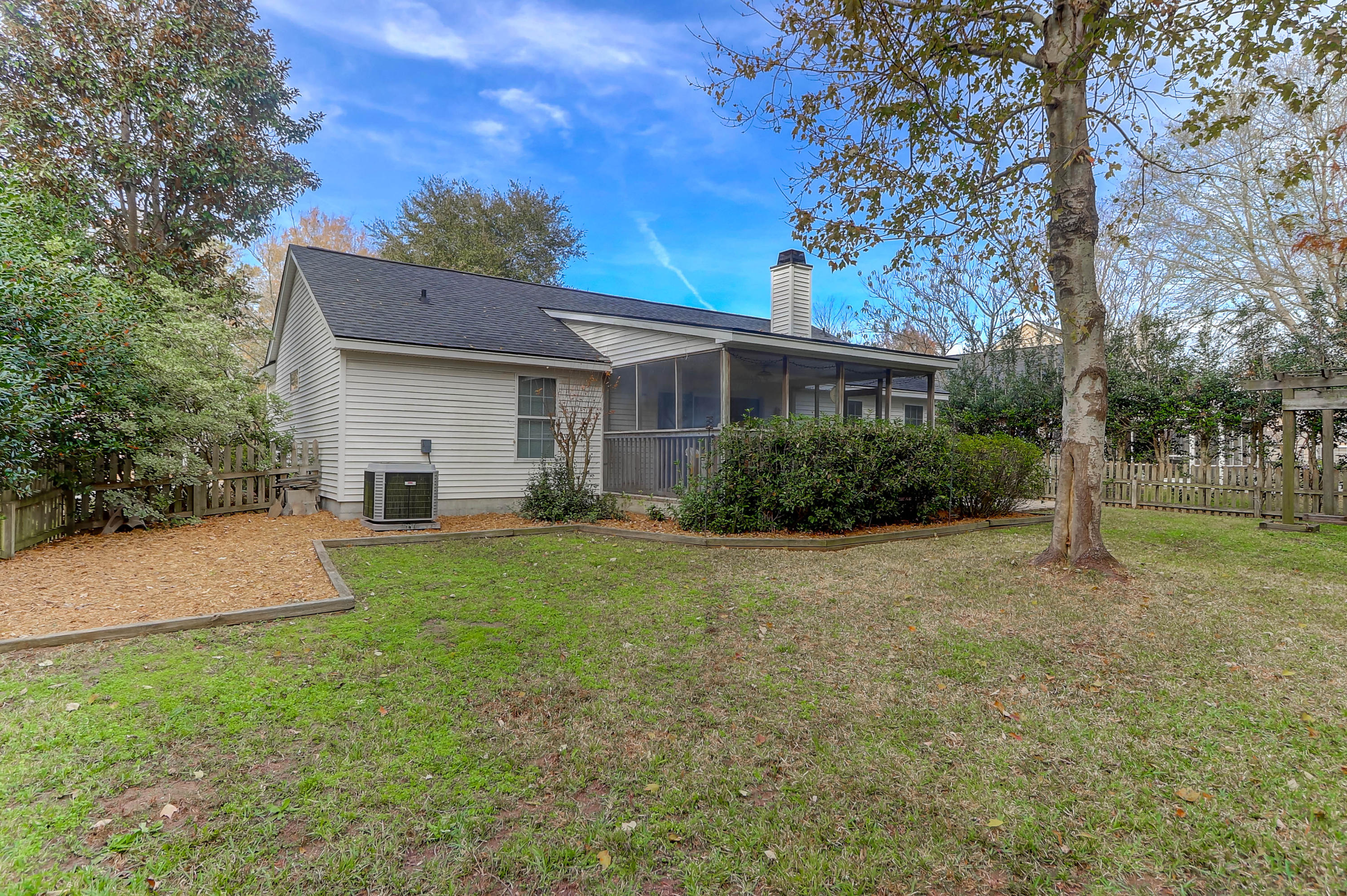 171 Revolution Drive Mount Pleasant, SC 29464