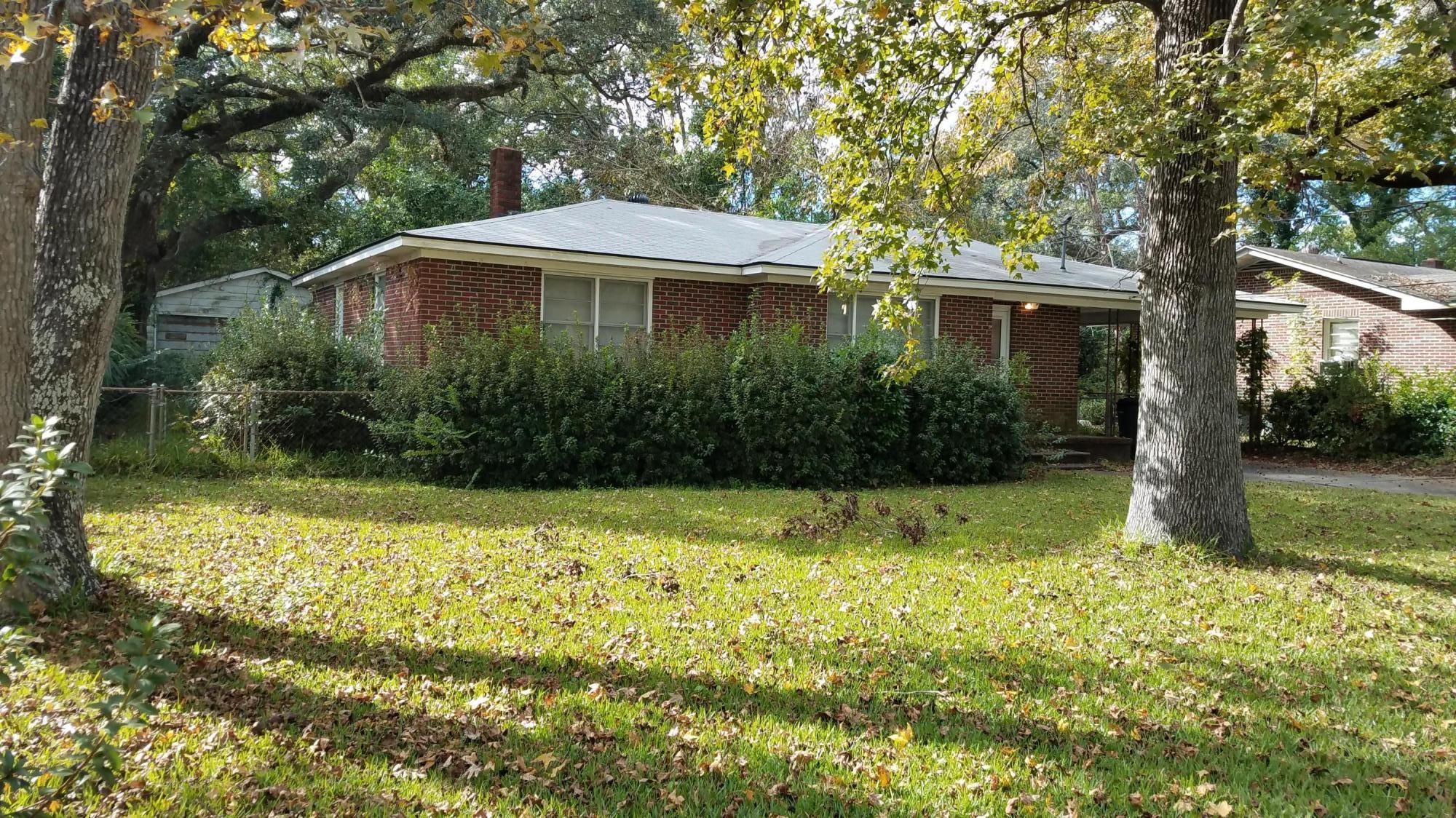 5107 Temple Street North Charleston, SC 29405