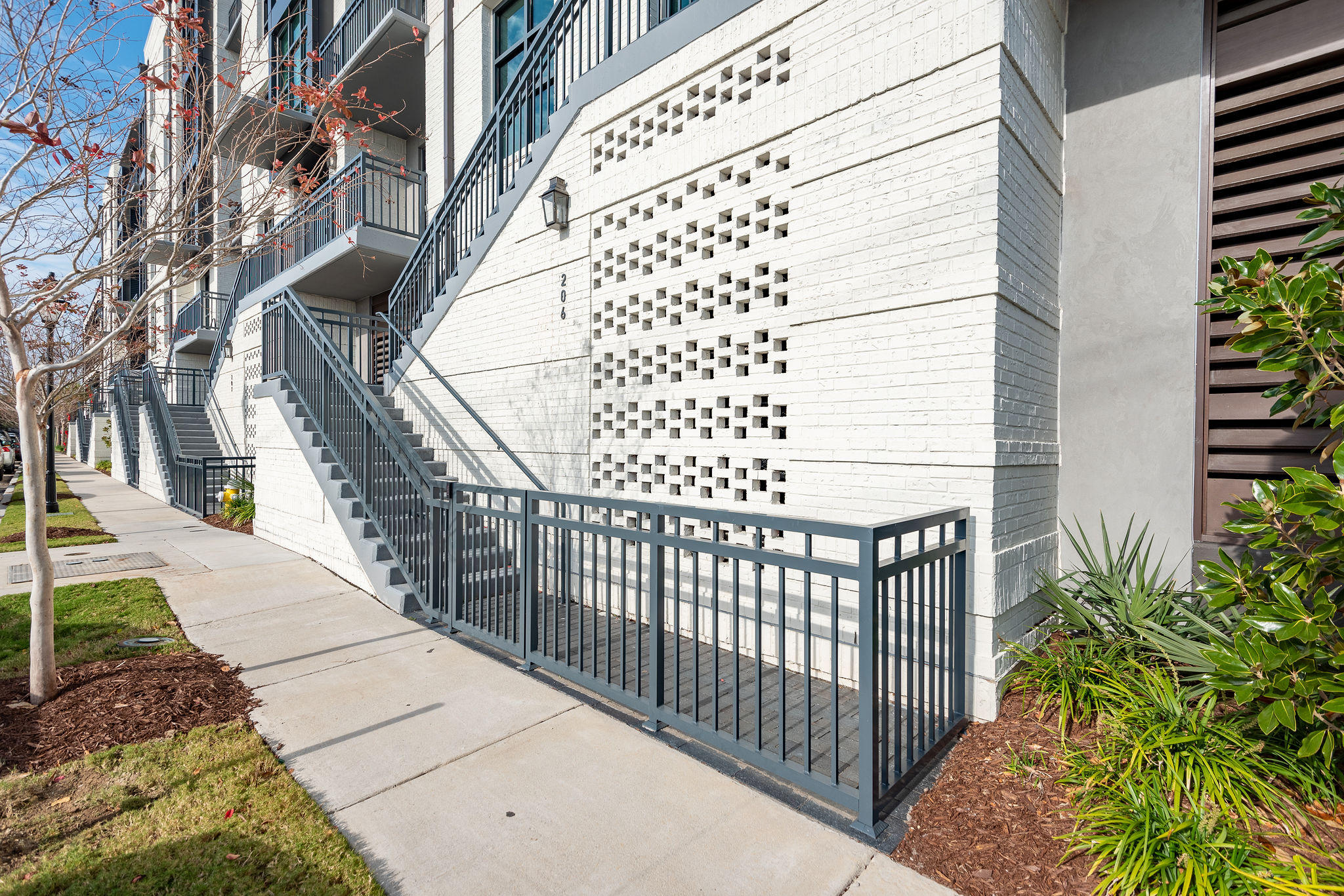 5 #206 Gadsdenboro Street Charleston, SC 29401